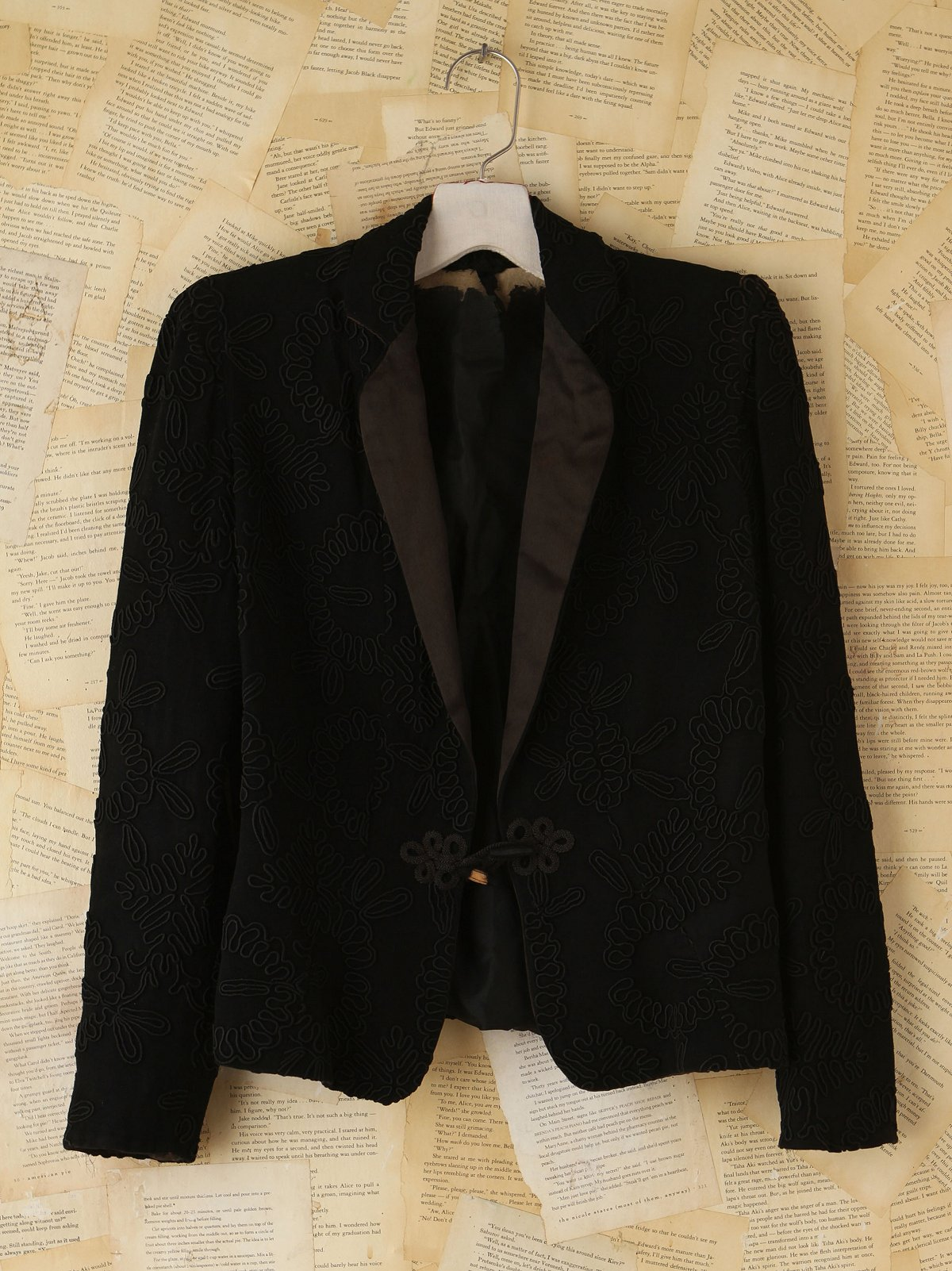 Vintage Embroidered Blazer