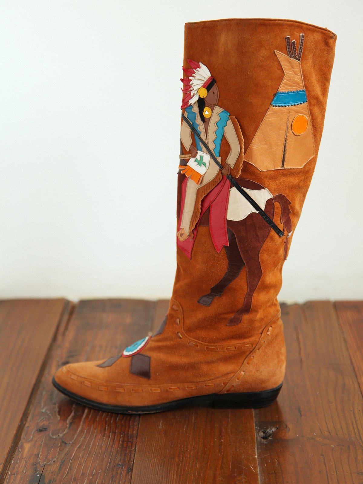 Vintage Suede Motif Moccasin Boots