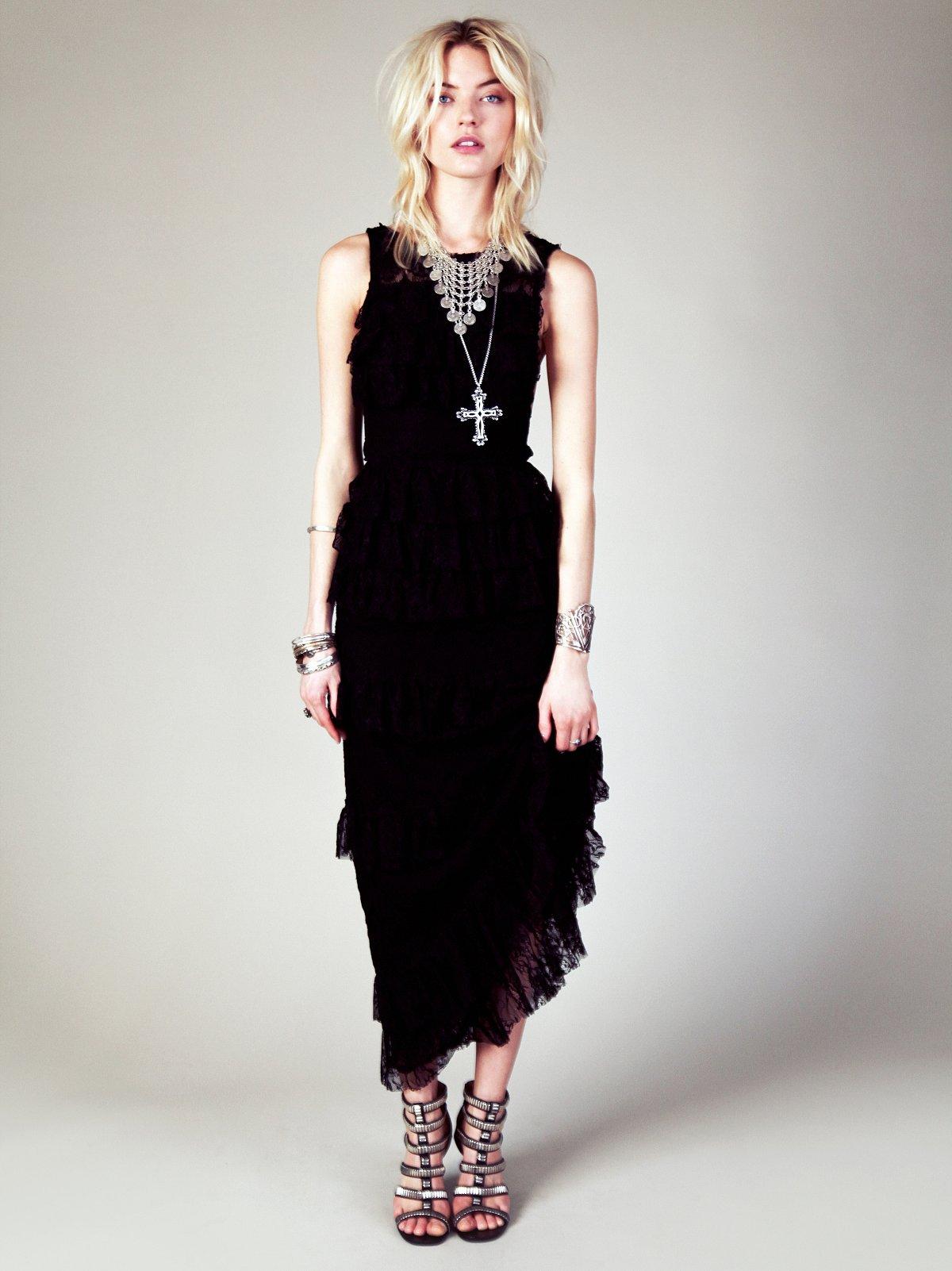 Black Dahlia Maxi Dress