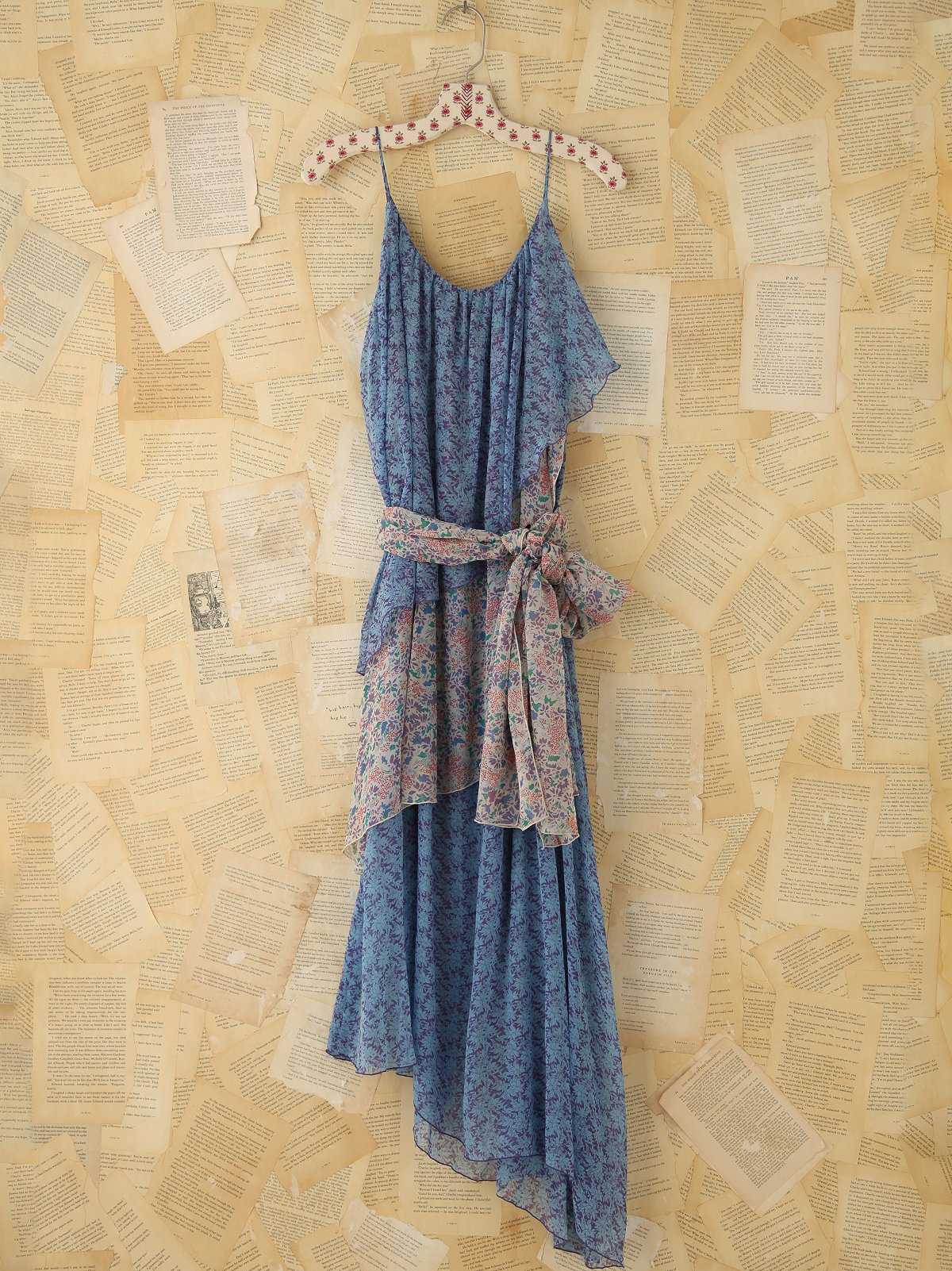 Vintage Floral Ruffle Maxi Dress