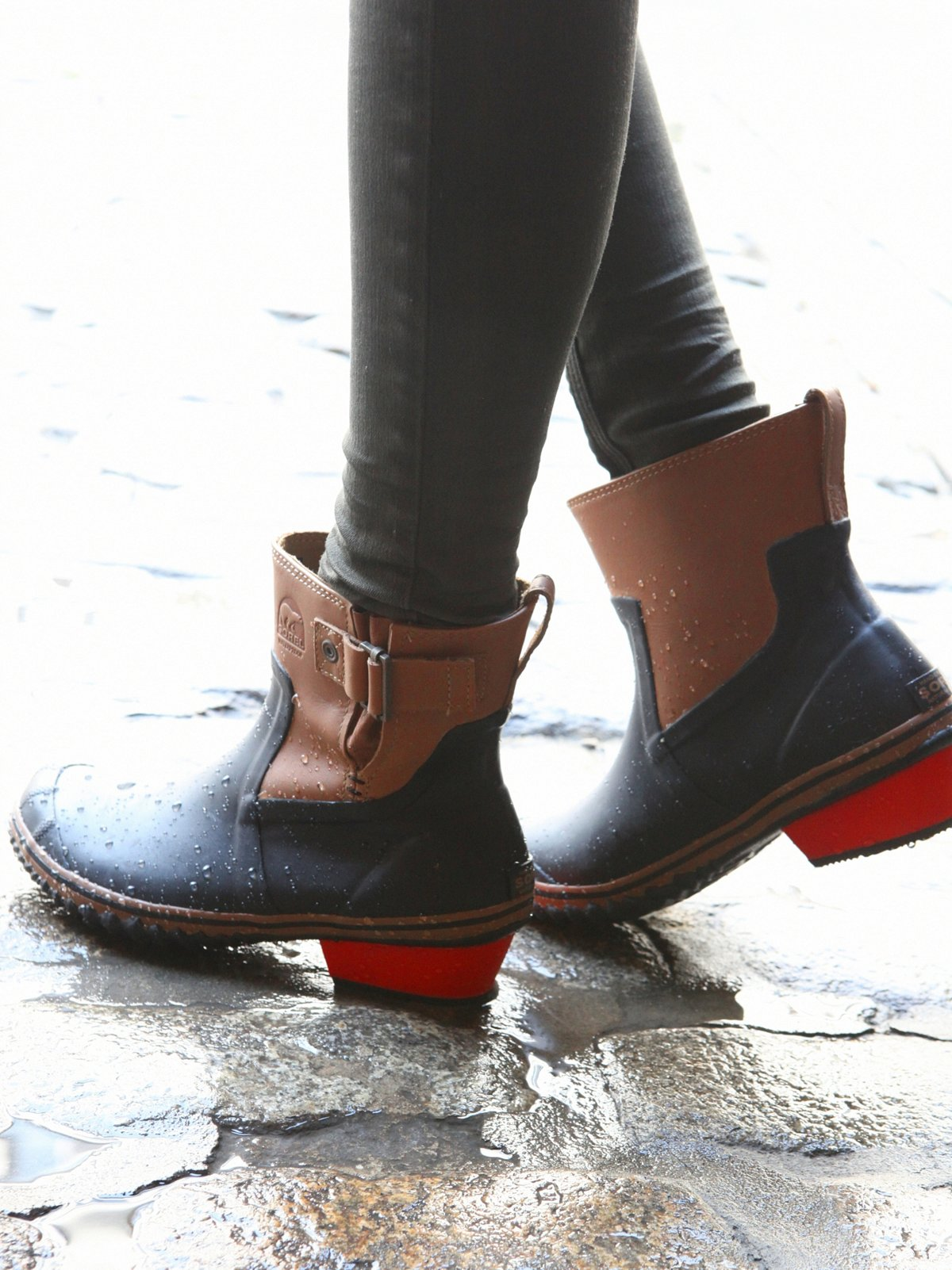 Designer ankle boots sale | Shop women's fashion ankle boot styles in chelsea, leather & suede designs. Buy luxury fashion brands at discount prices at THE OUTNET.