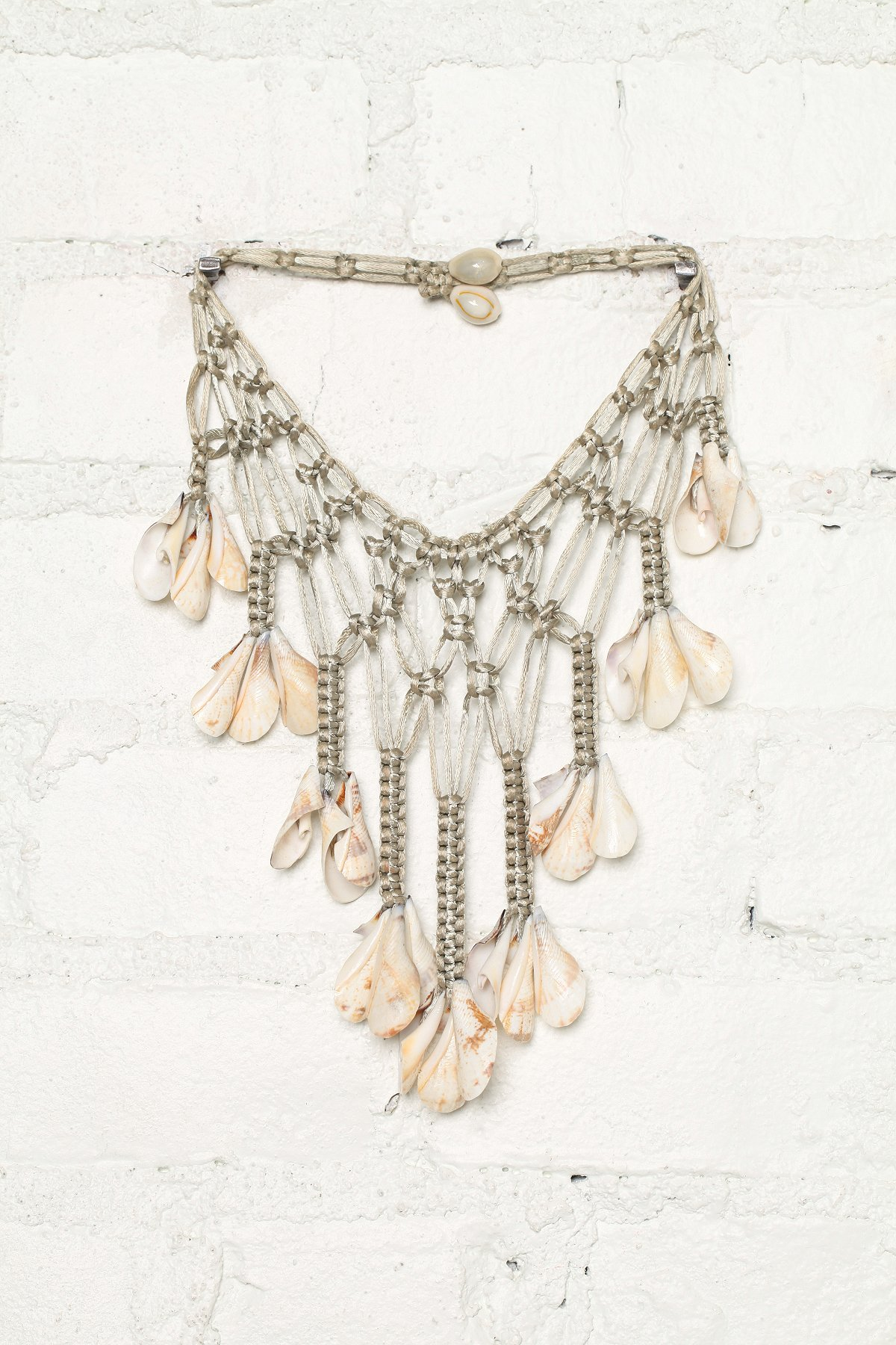 Vintage Woven Seashell Necklace