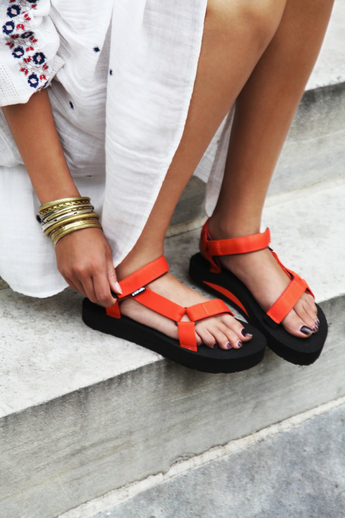 Universal Teva Sandal