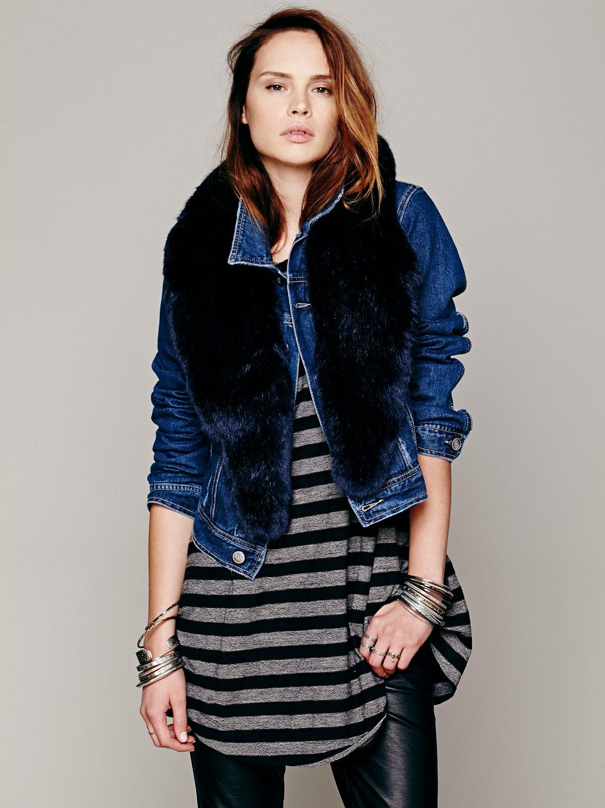 Oversized Faux Fur Collar