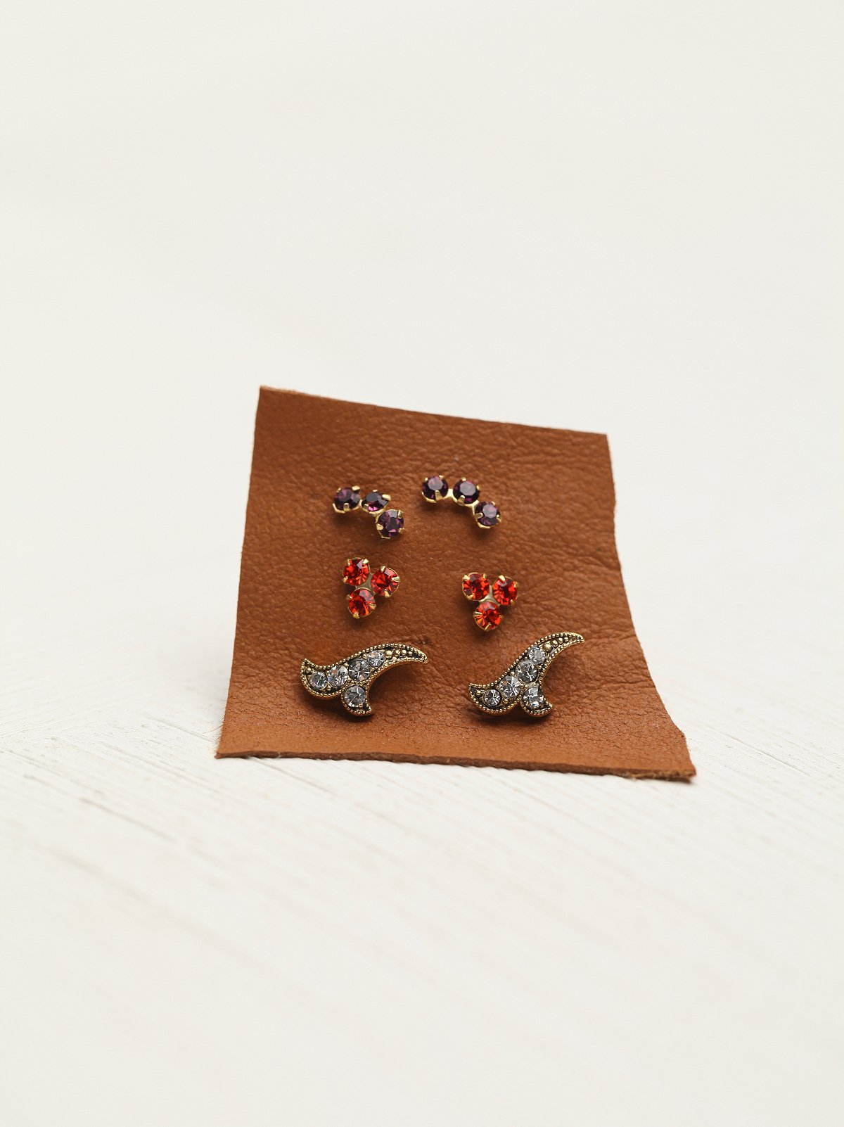 Tiny Cluster Set of 6 Studs