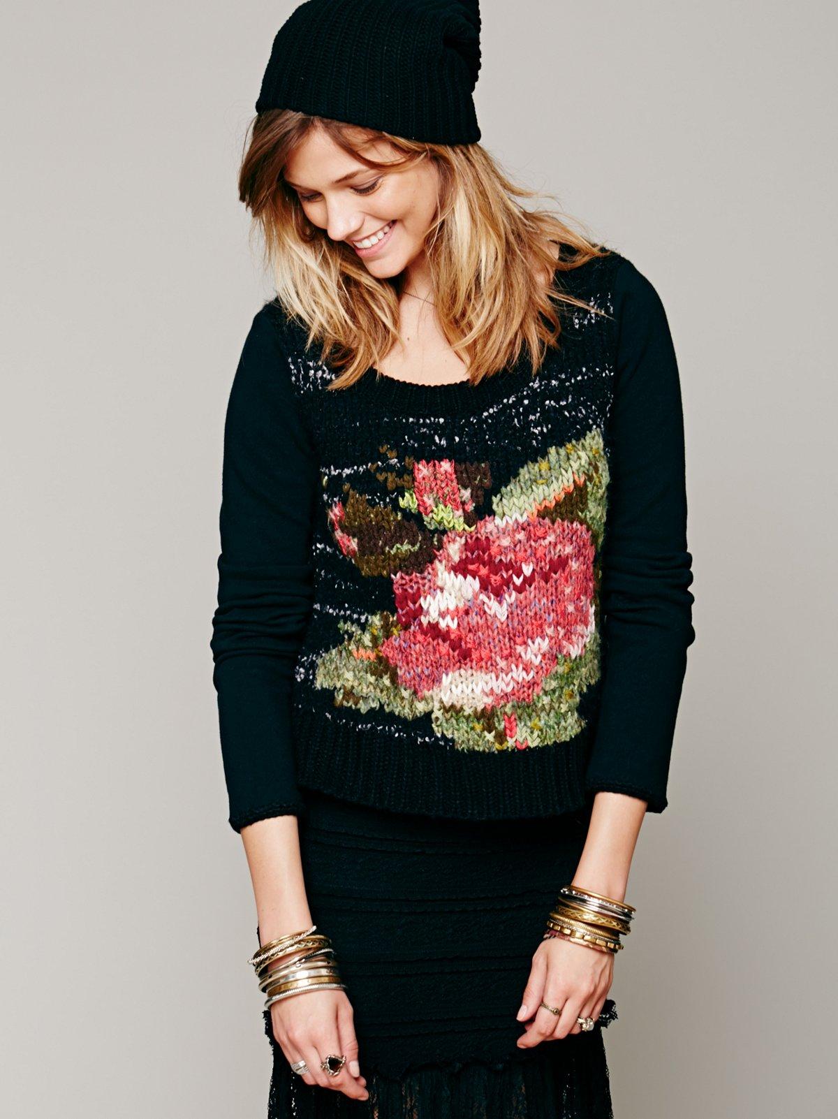 Magic Rose Pullover