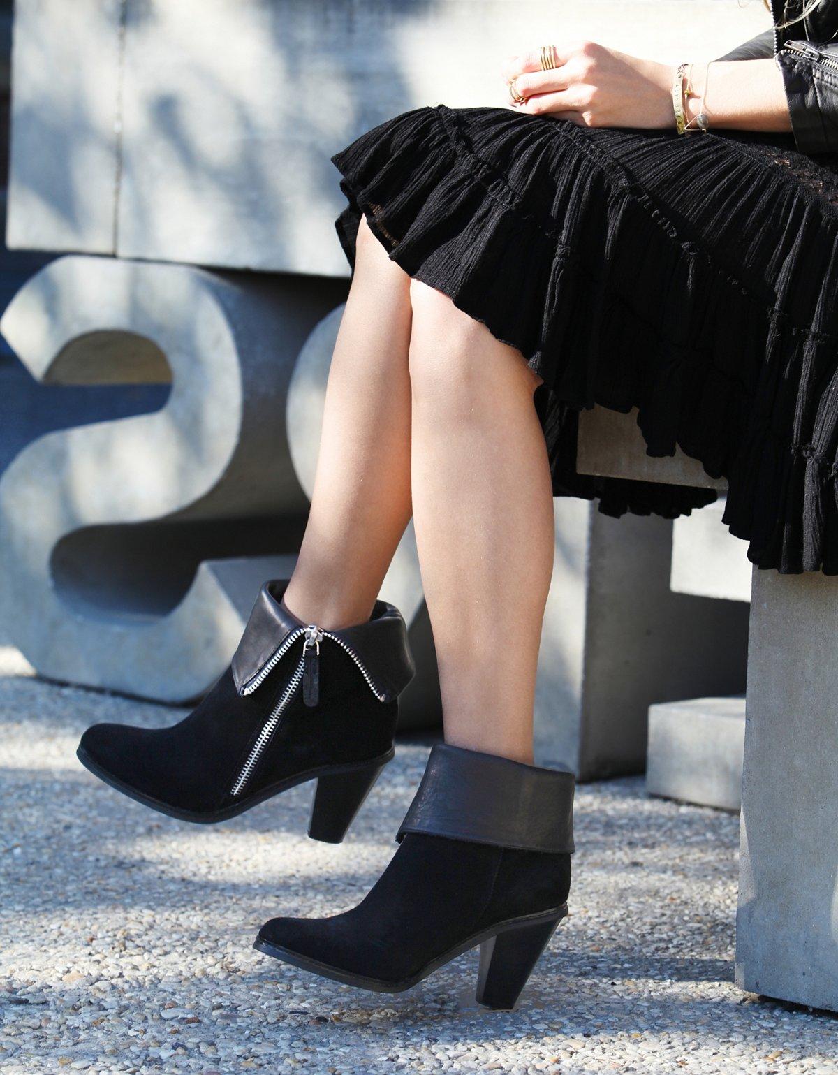 Remedy Zip Boot