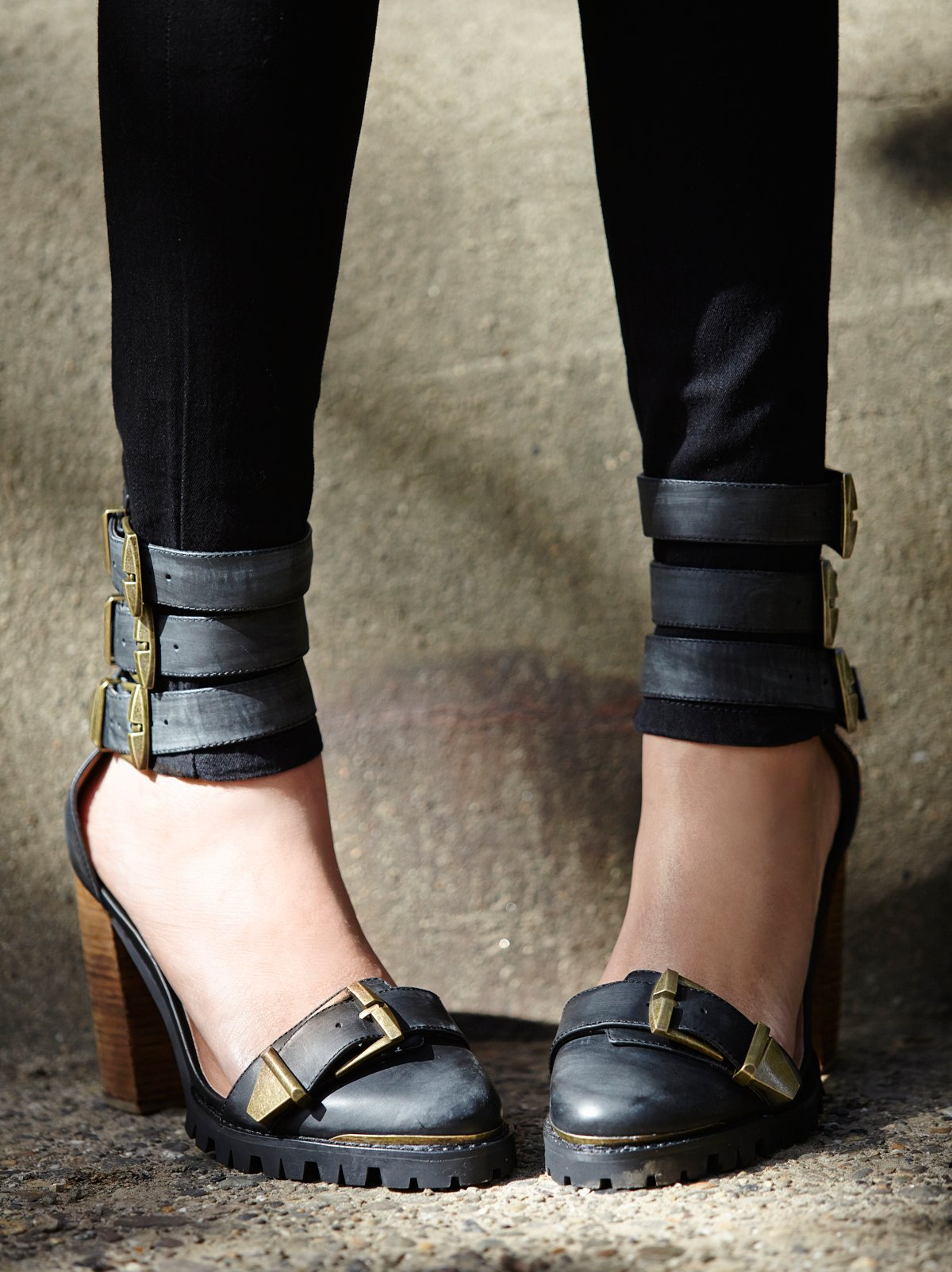 Cattelan Heel