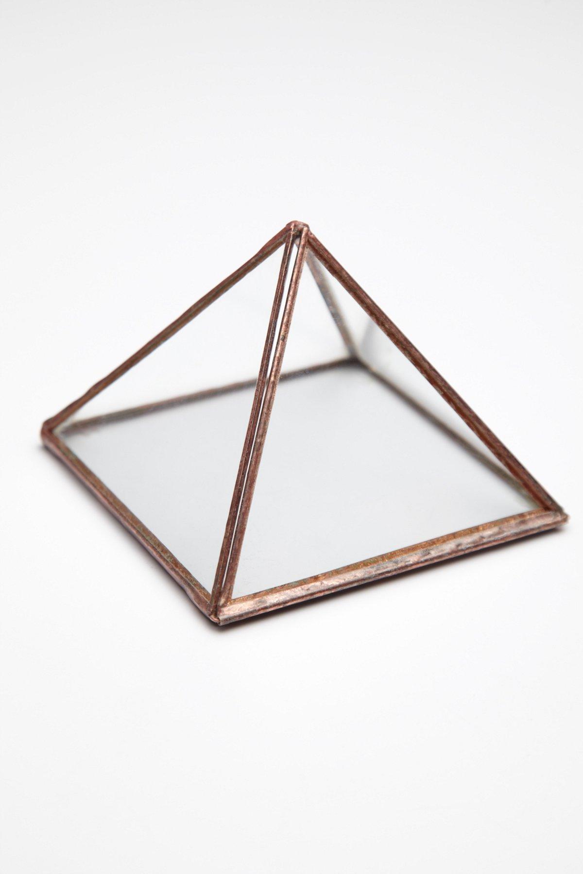 Wonders Of The World Pyramid Box