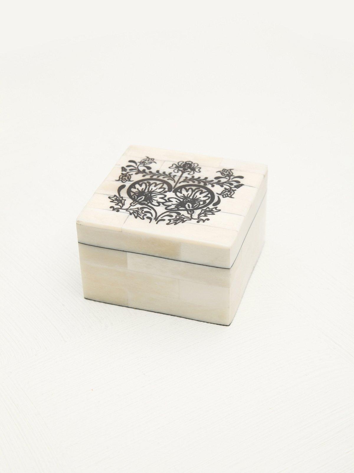 Graphic Jewelry Box