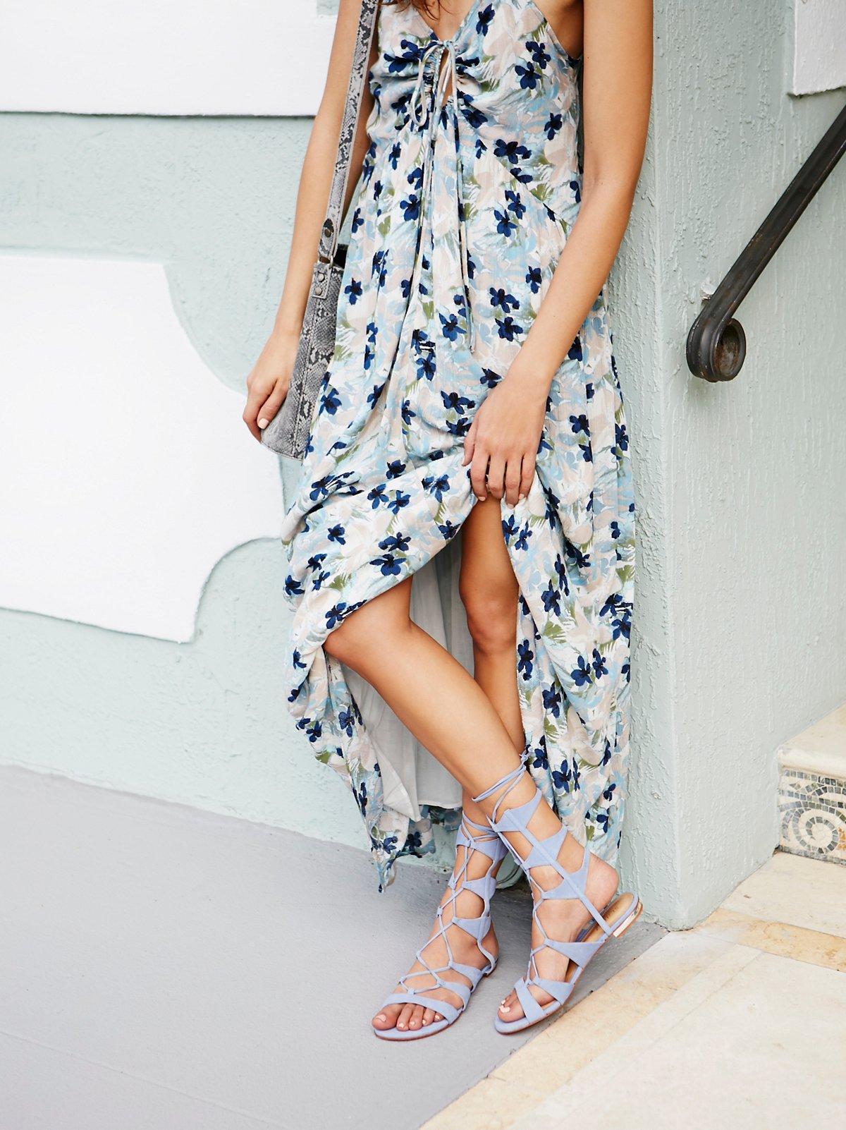 Lina系带罗马凉鞋