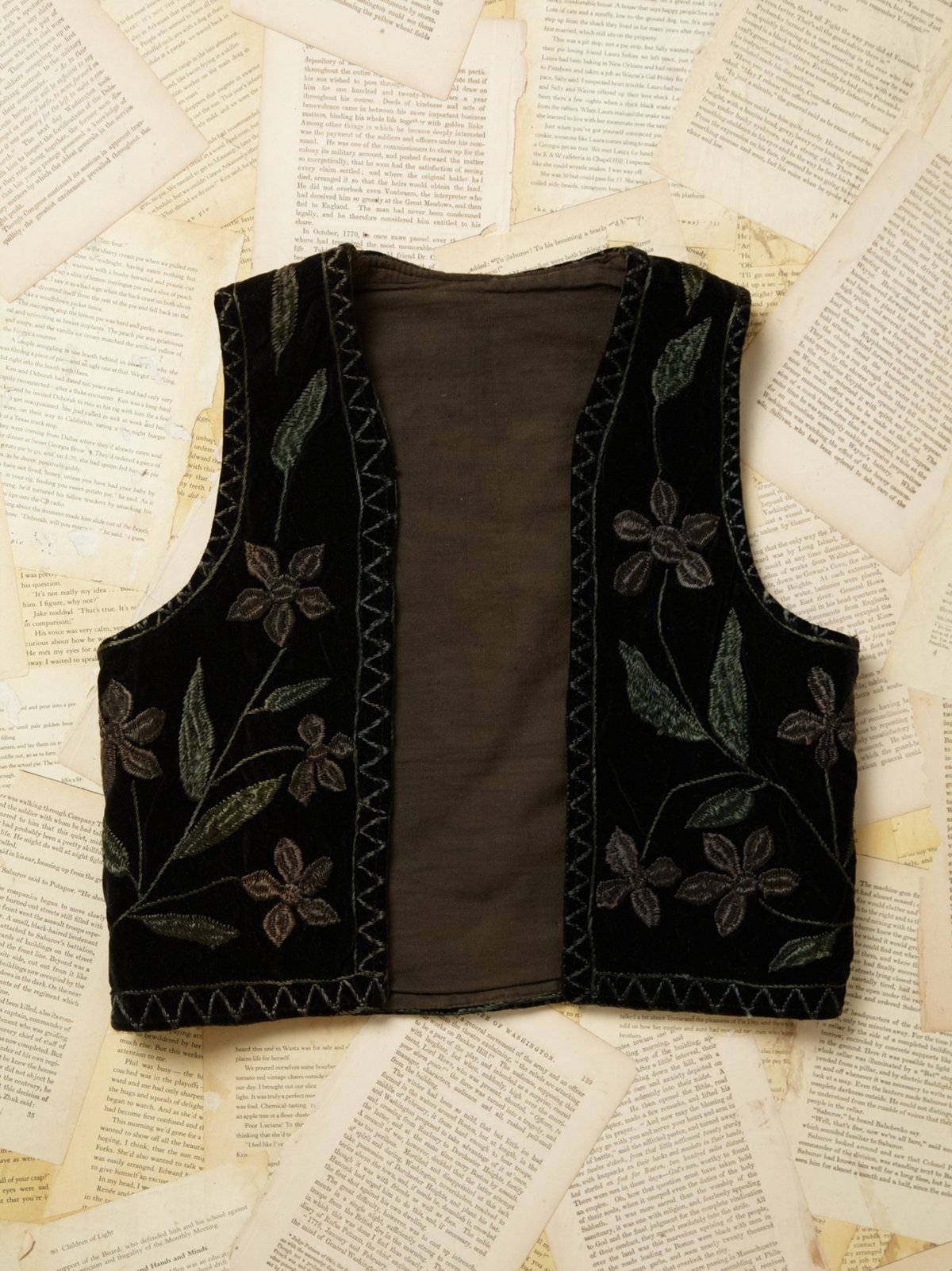 Vintage 1970s Embroidered Velvet Vest