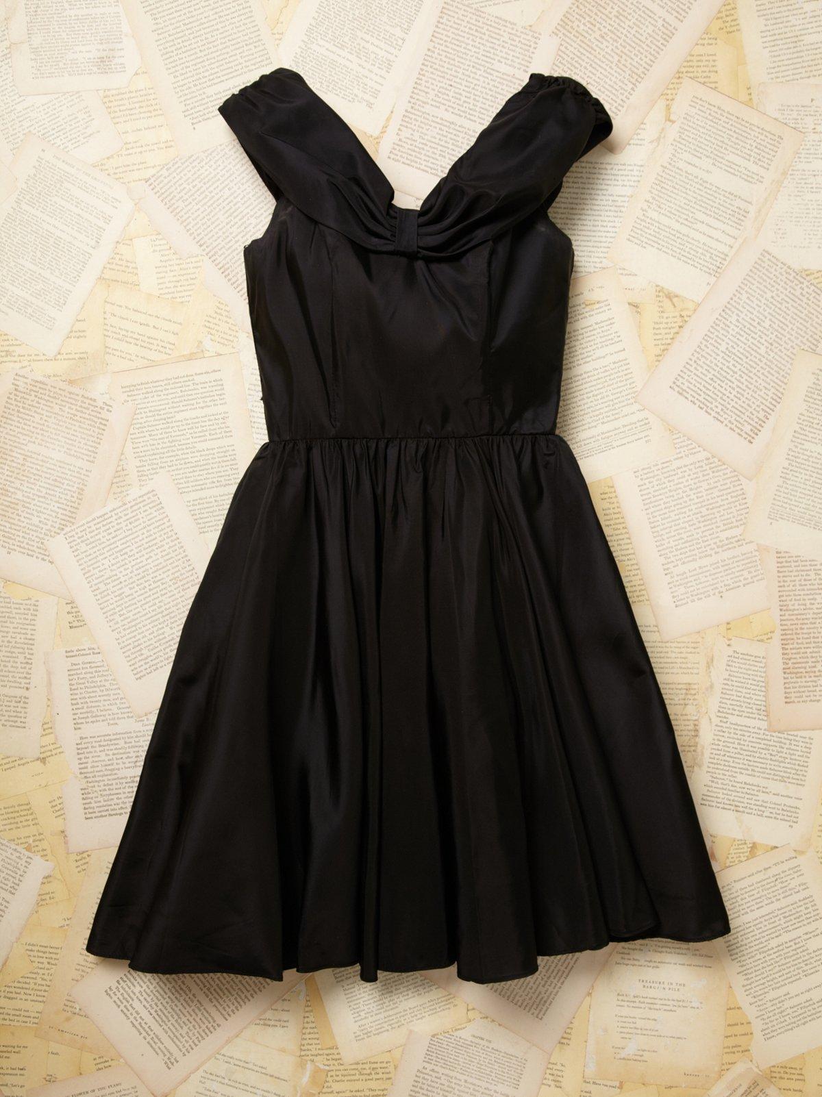 Vintage Sleeveless Bow Dress