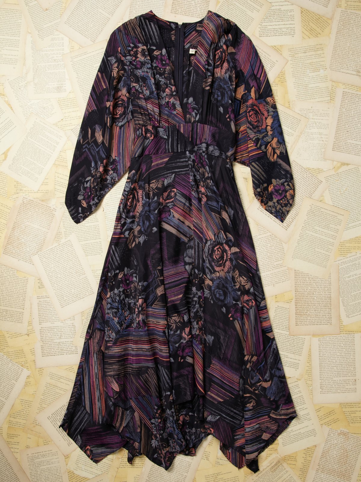 Vintage 1970s Bell Sleeve Printed Dress