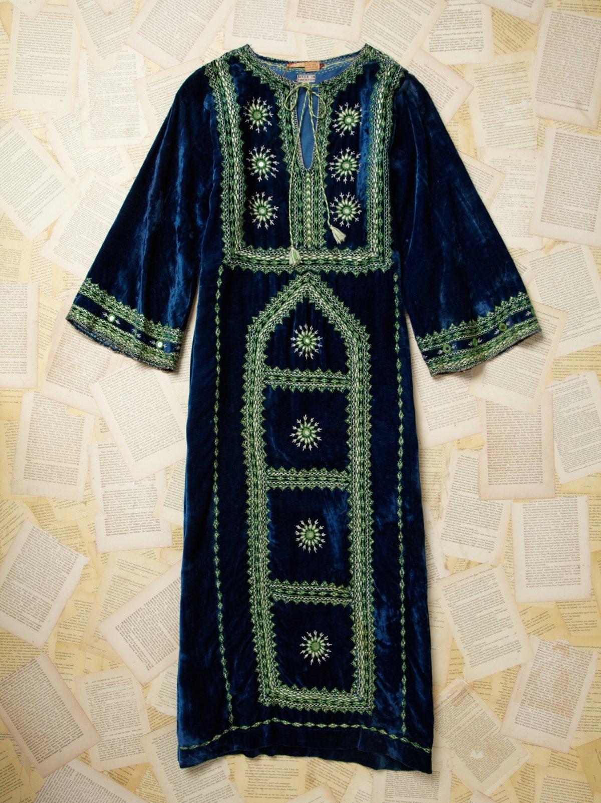 Vintage 1980s Embroided Velvet Dress