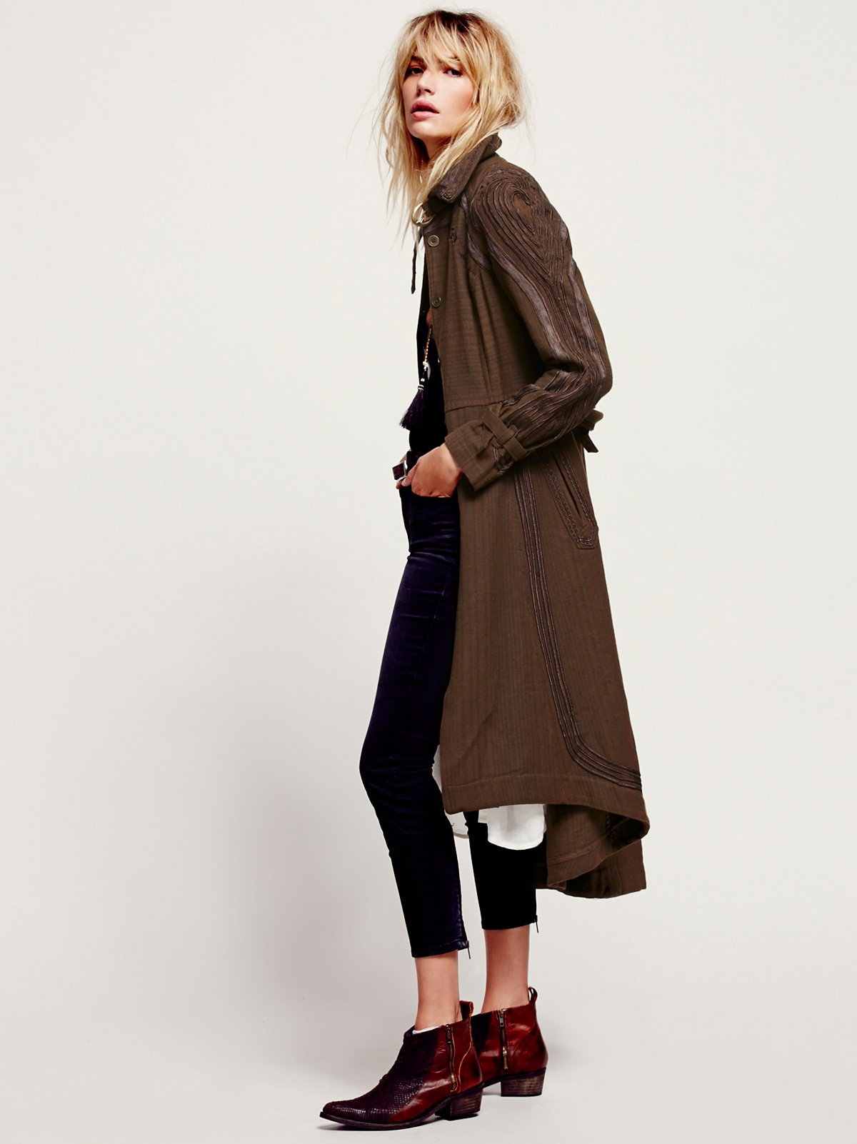 FP New Romantics Topographic Trench