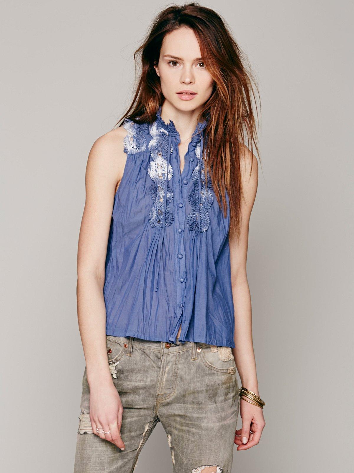 Sleeveless Lace Inset Collar Buttondown