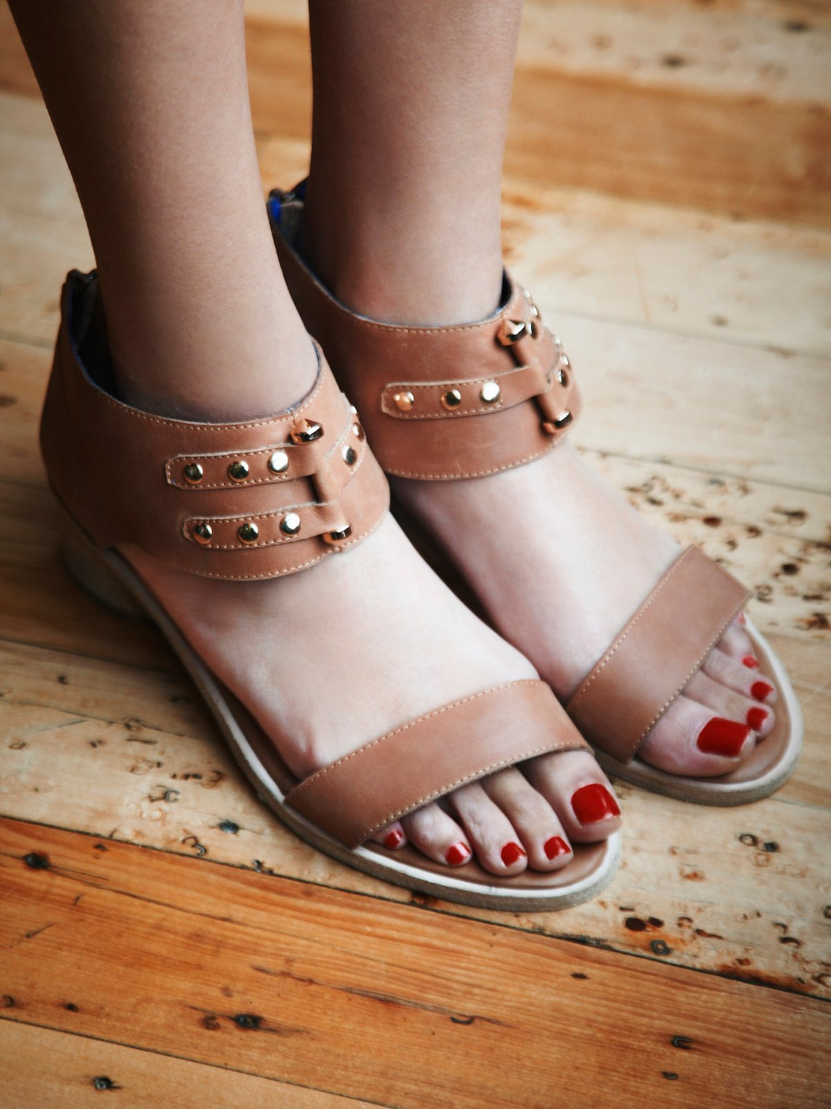 Gold-bar Sandal