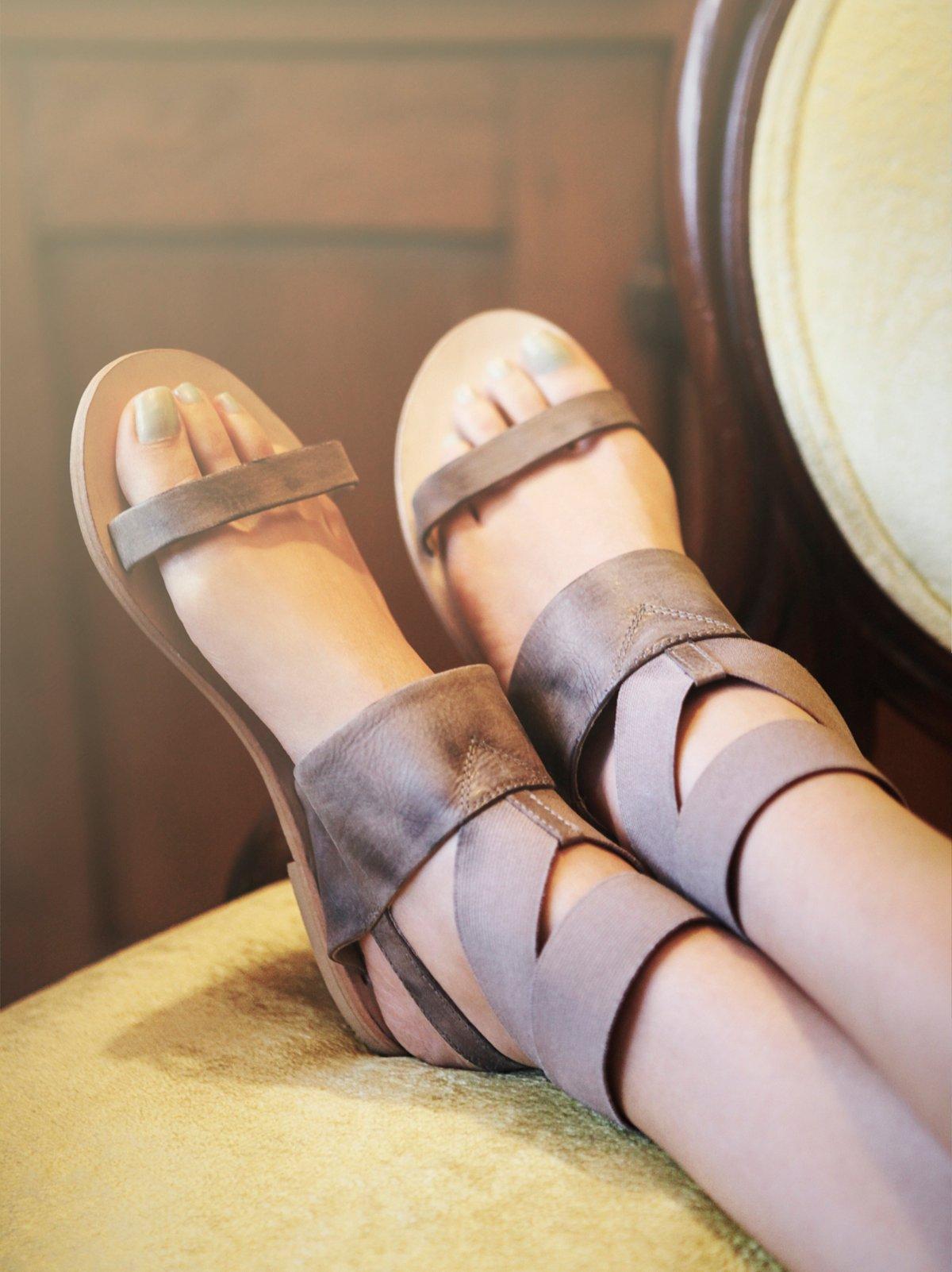 Surreal Stretch Sandal