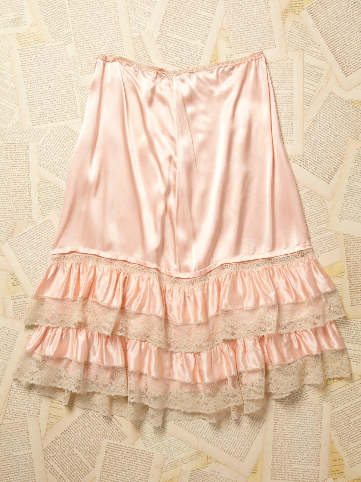 Vintage 1950s Peach Ruffle Skirt