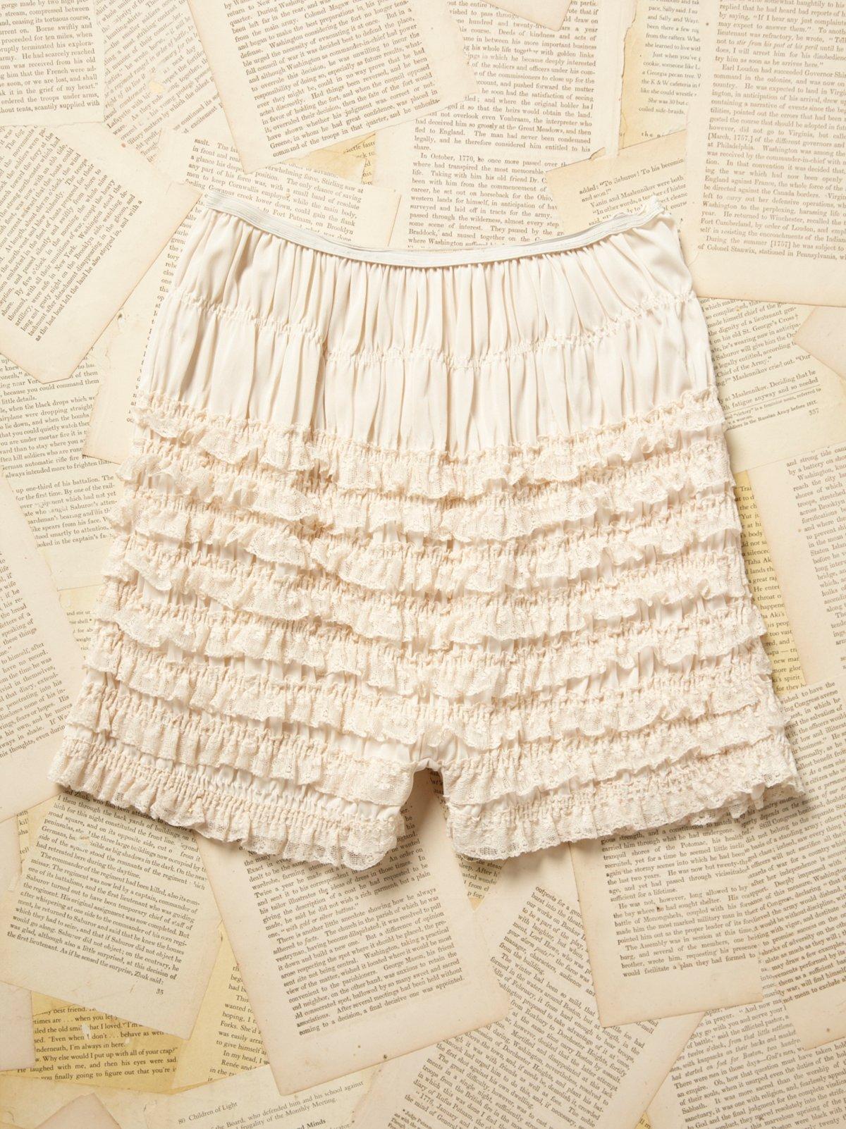 Vintage 1970s Ruffle Shorts