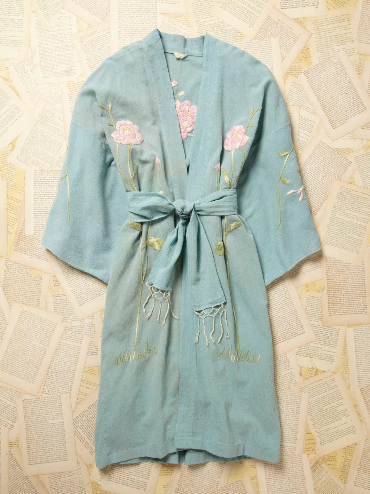 Vintage 1970s Embroidered Kimono