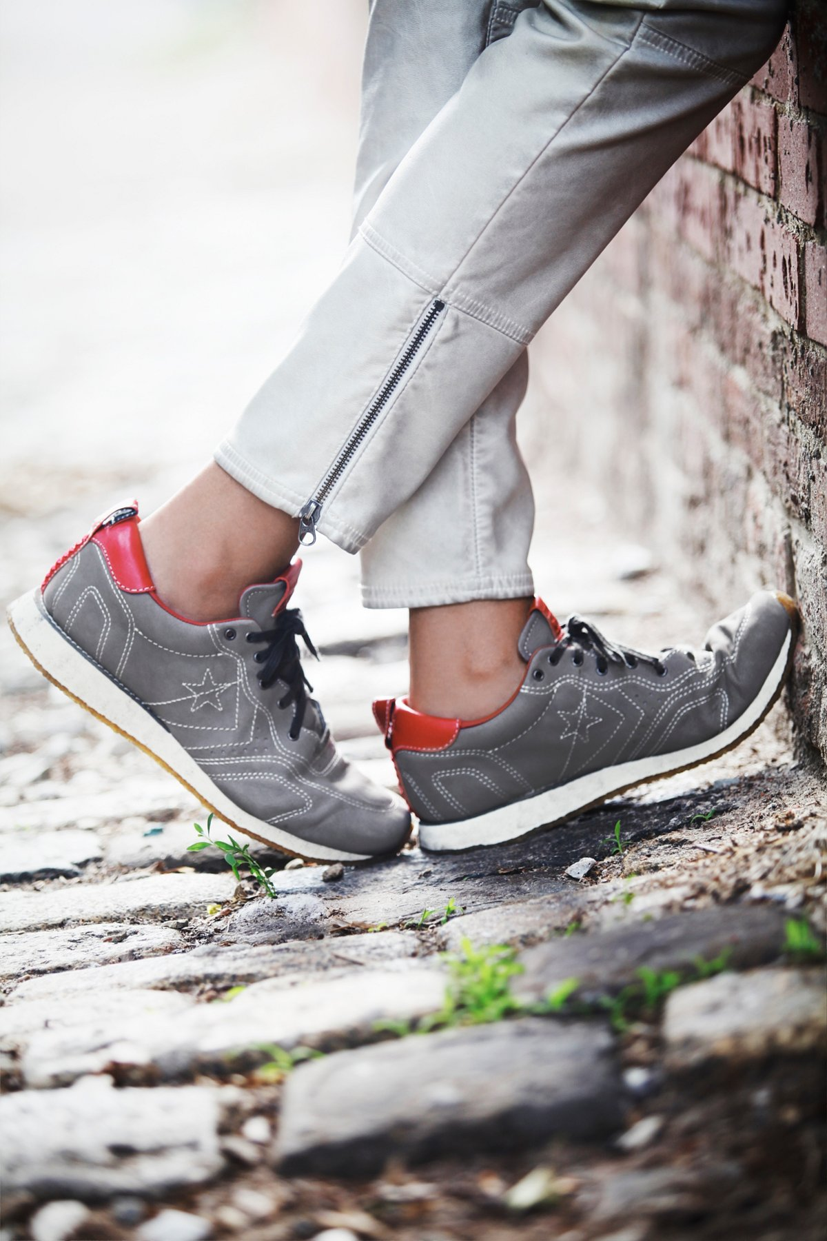 JV 皮革跑步鞋