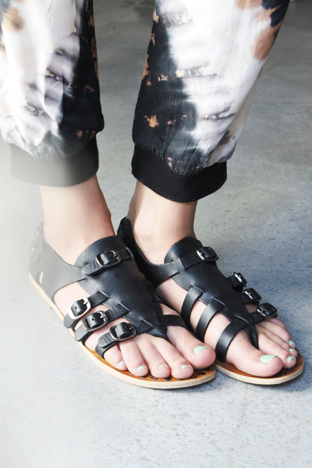 Senna Buckle Sandal
