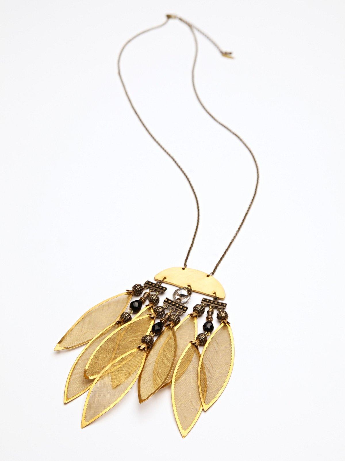 Nazari Pau Gold Leaves Pendant