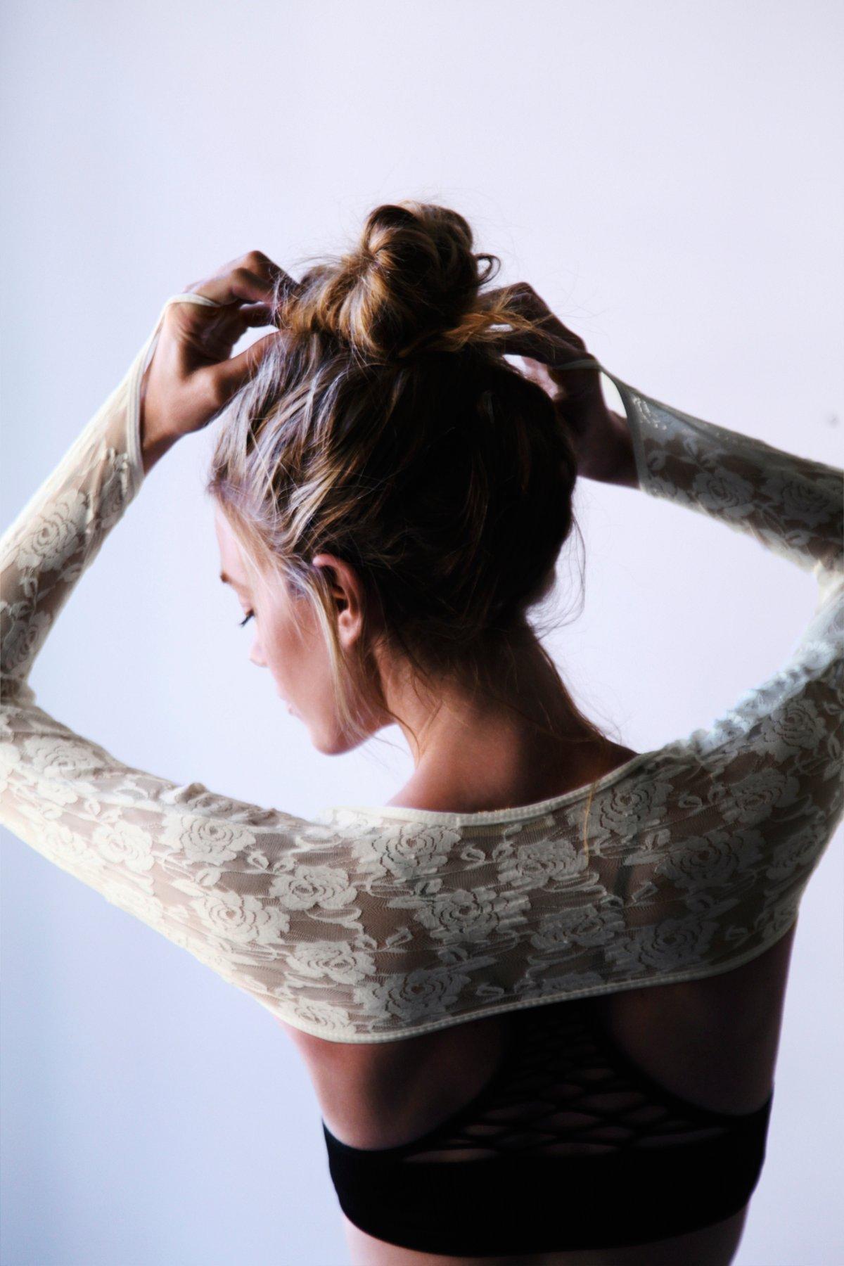Belly Dancer Lace Shrug