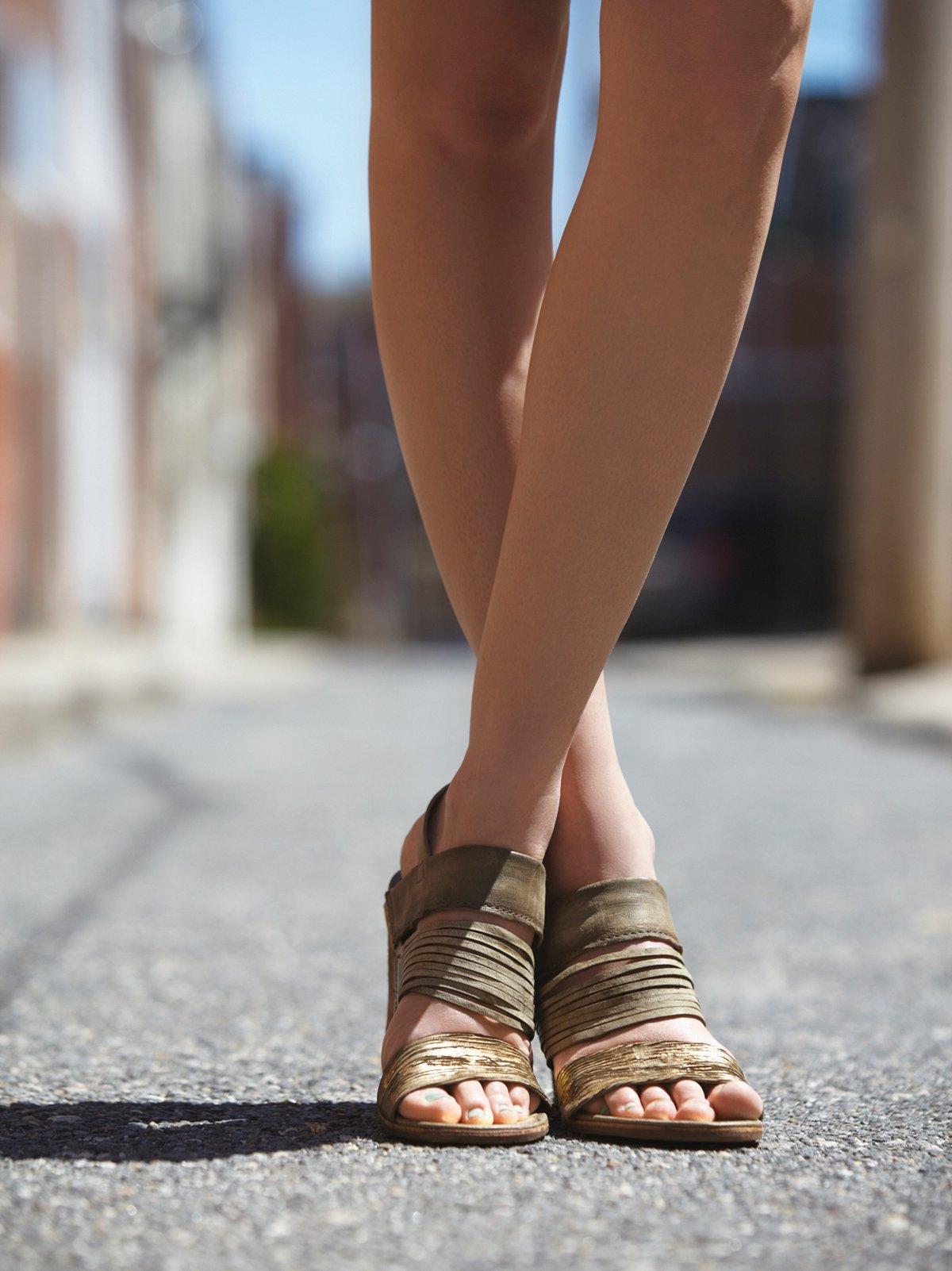 Almost Famous Heel