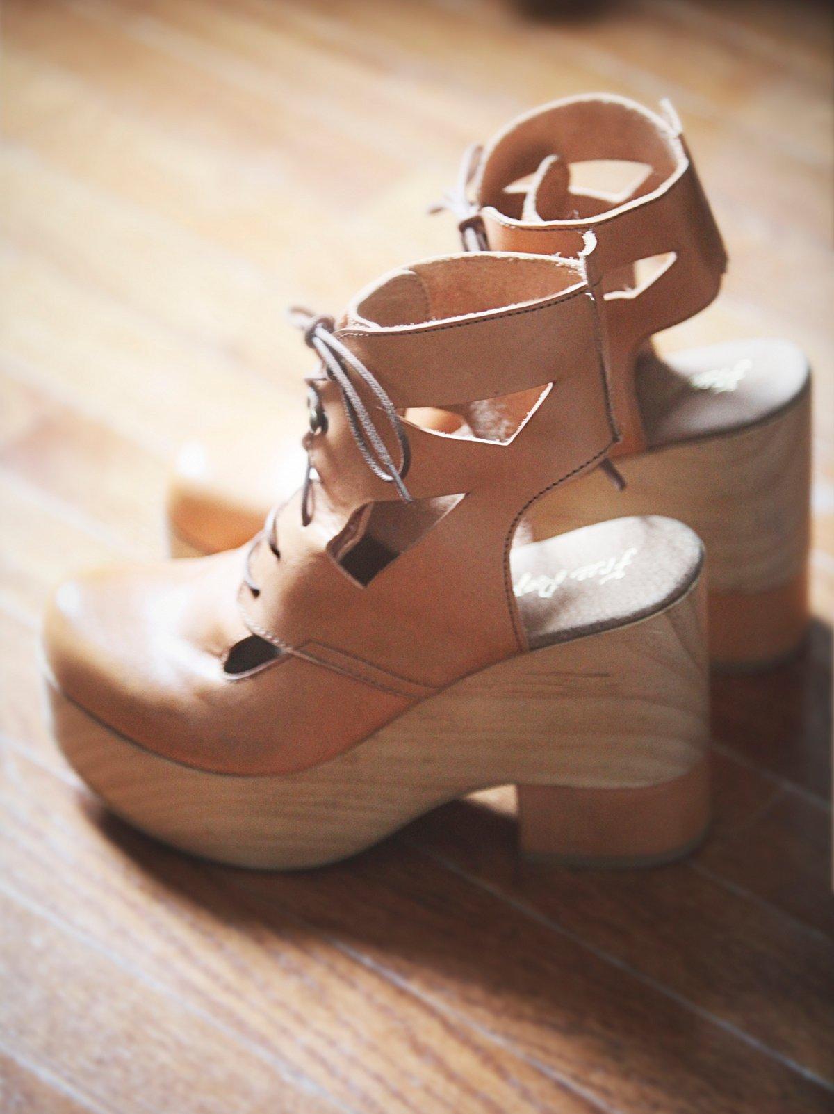 Racquel厚底木底鞋