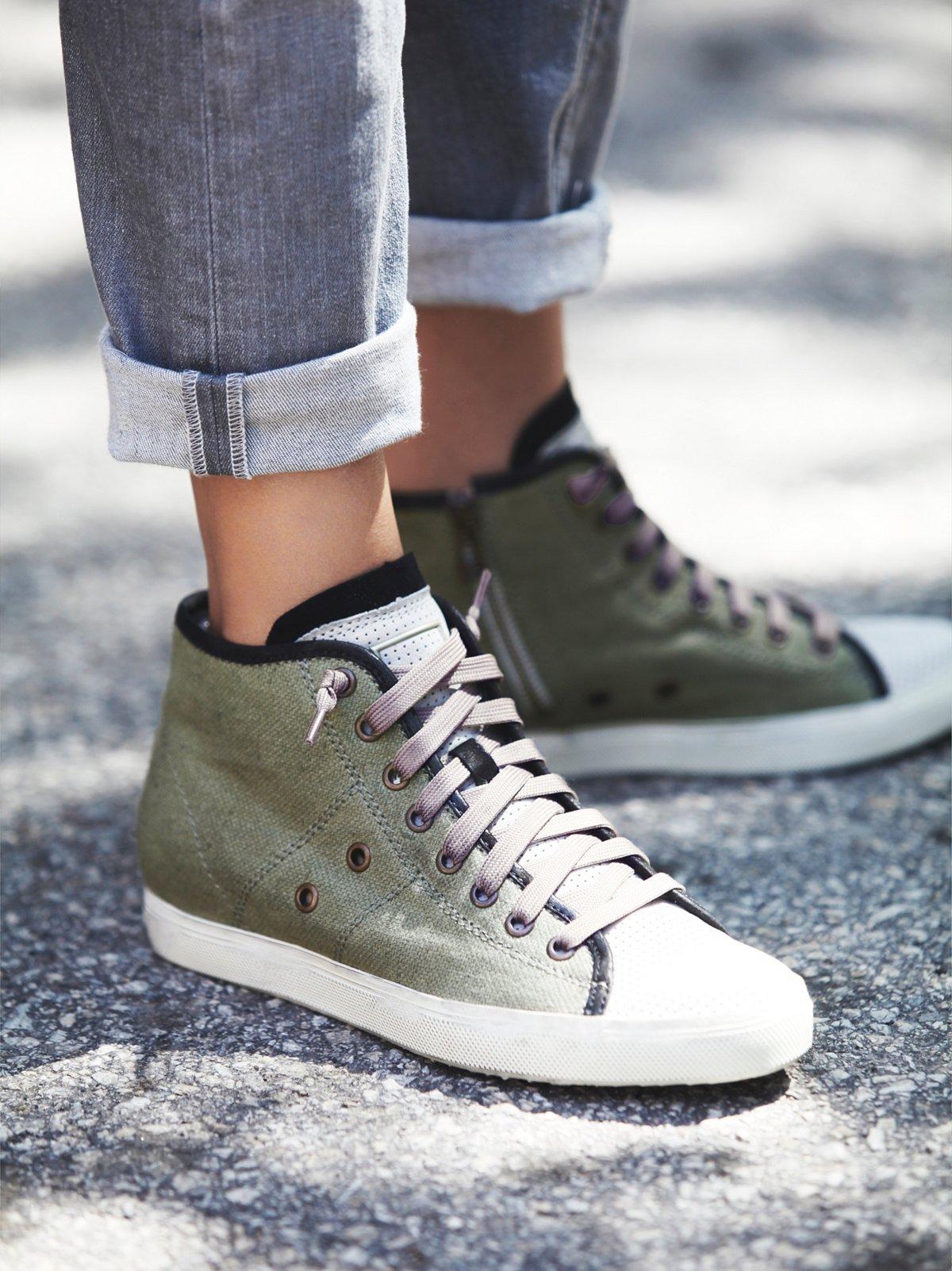Hayes Sneaker