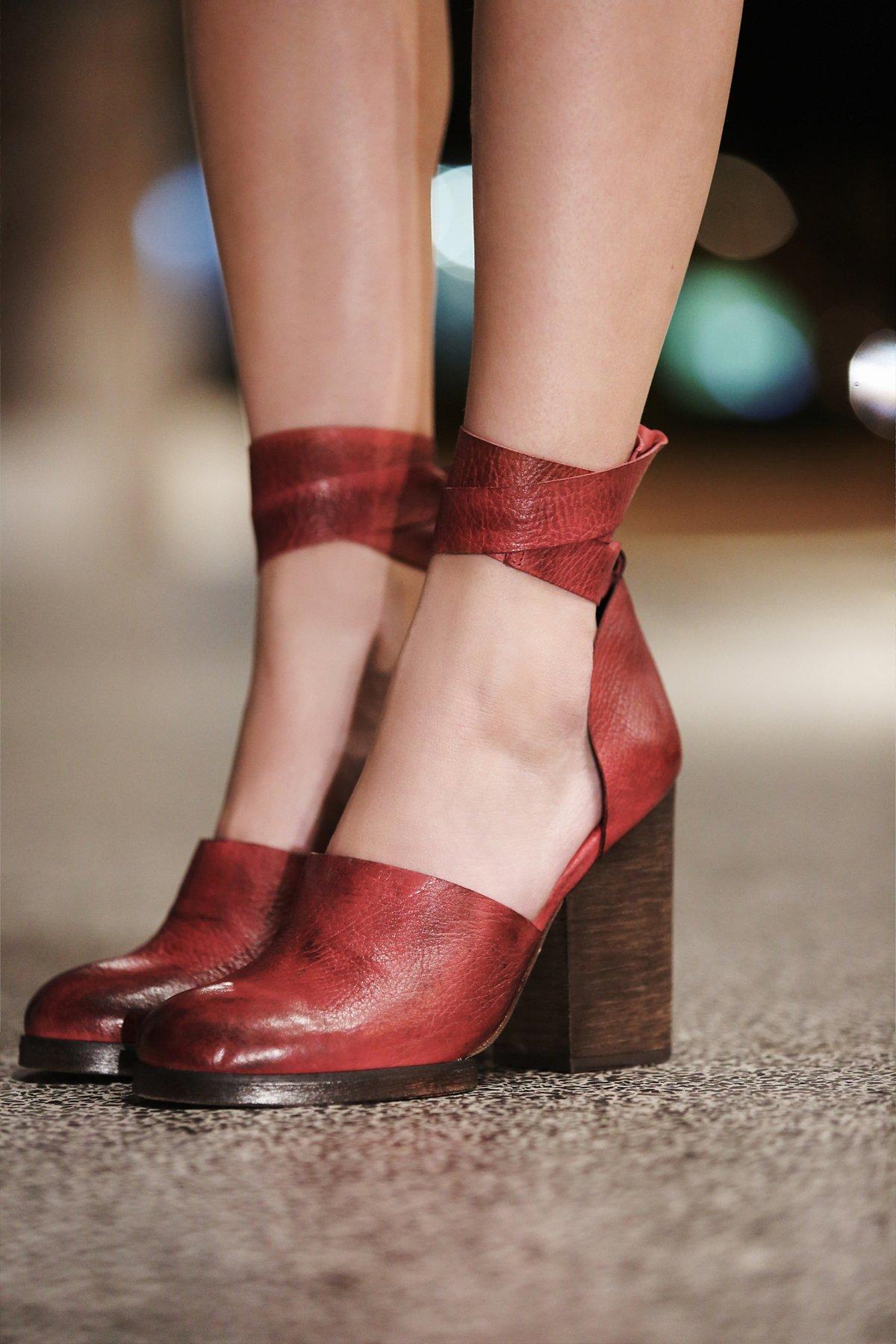 Cora裹踝高跟鞋
