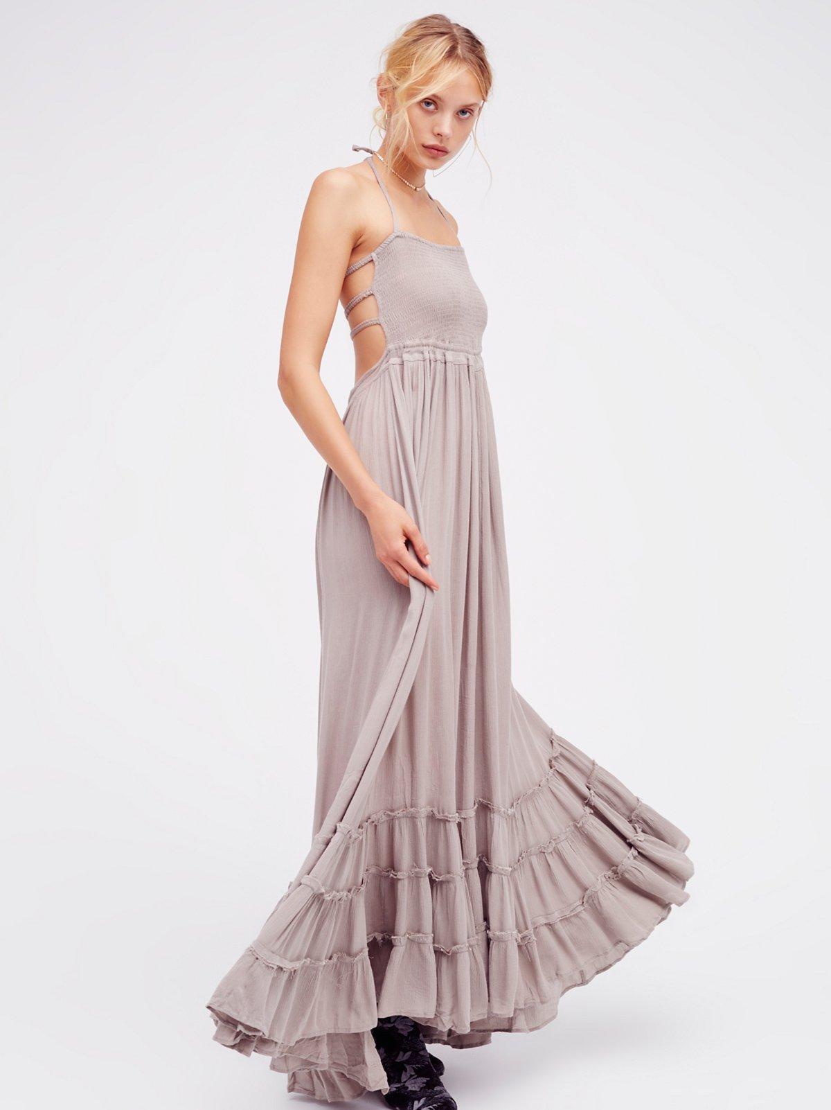 Extratropical连衣裙