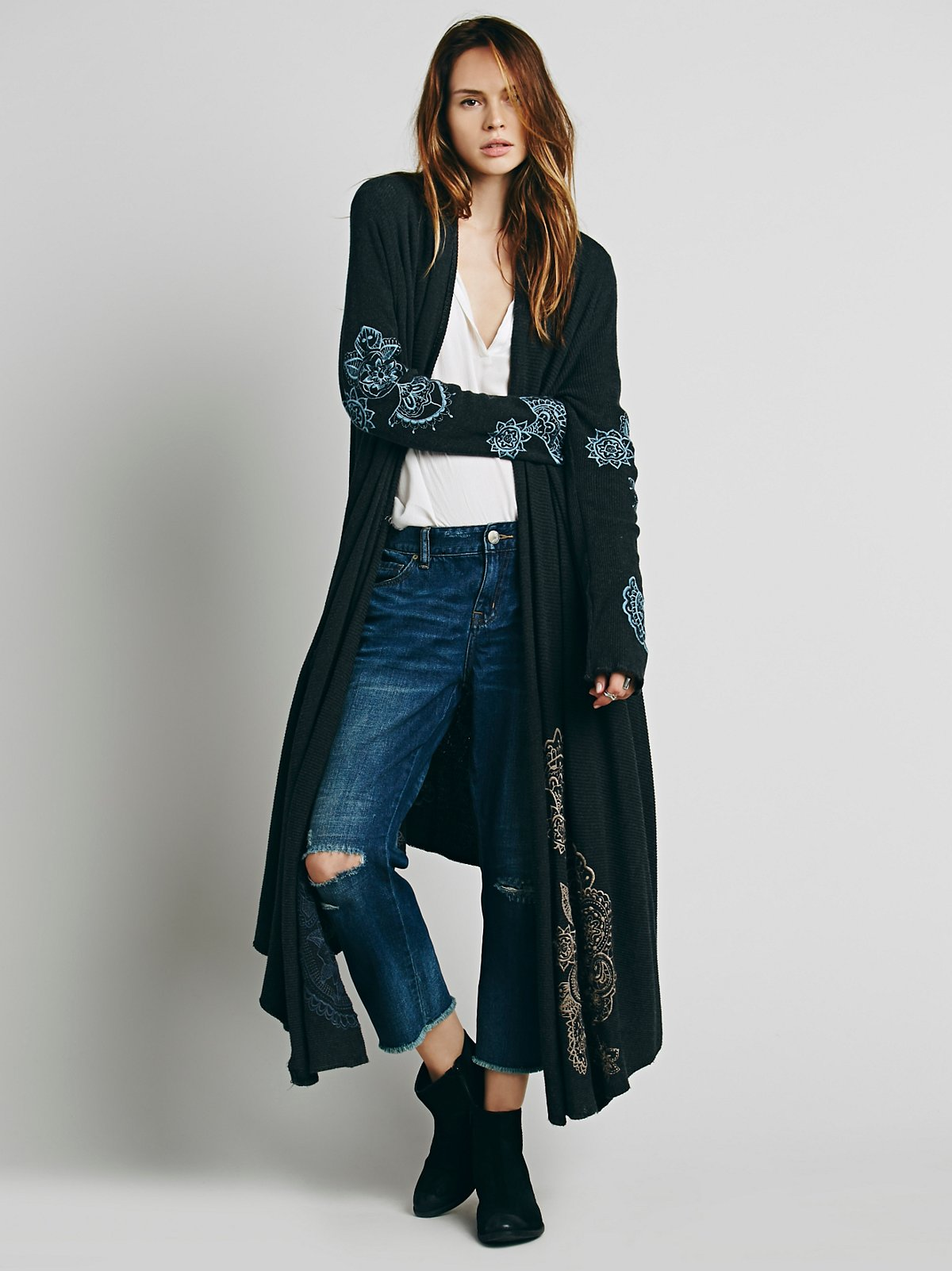 Embroidered Rib Wrap Cardi