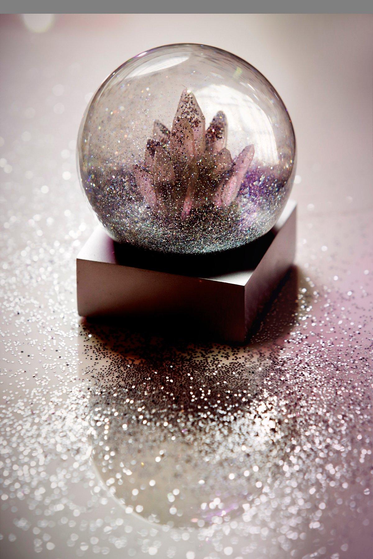 FP Crystal Snow Globe
