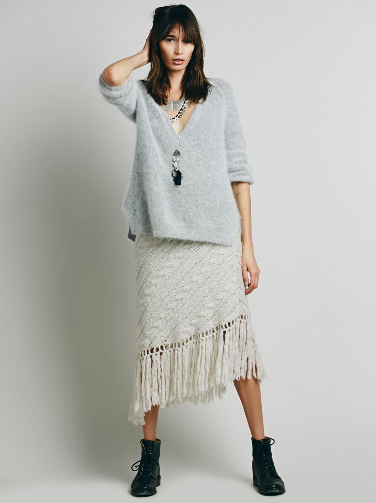 On a Diagonal Fringe Skirt