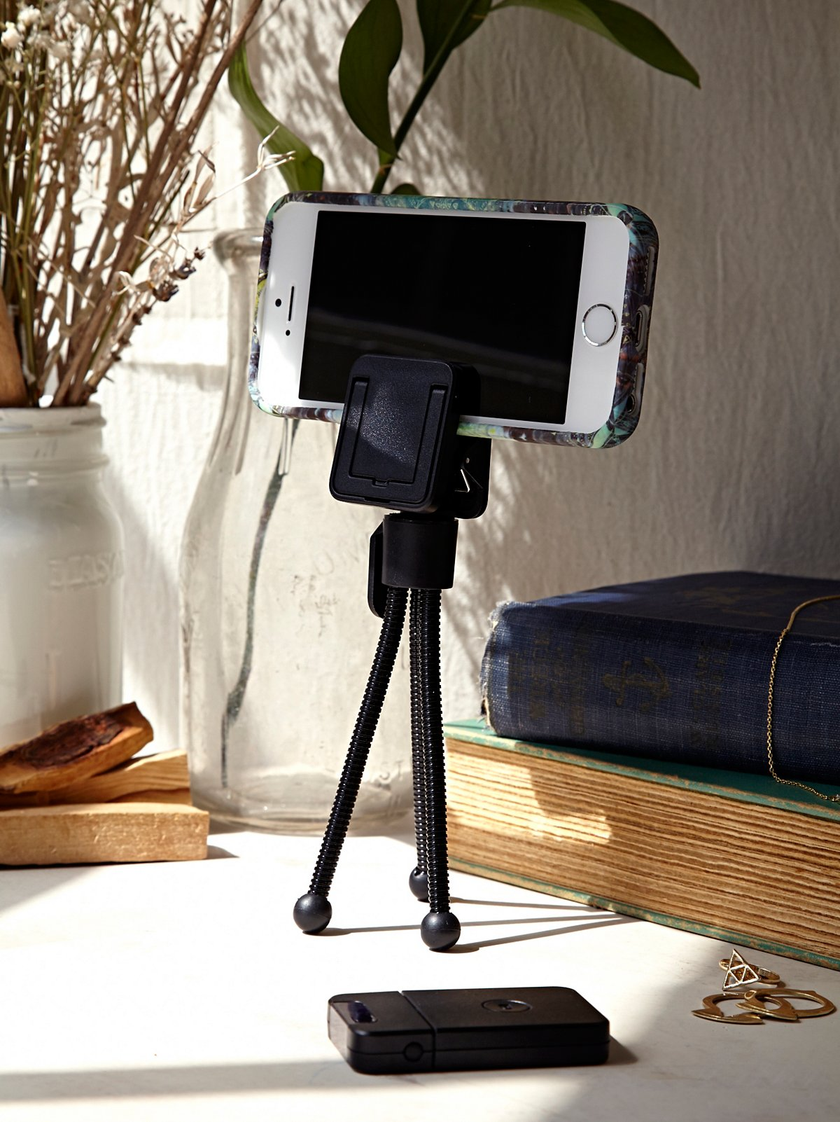 U Snap Wireless Tripod