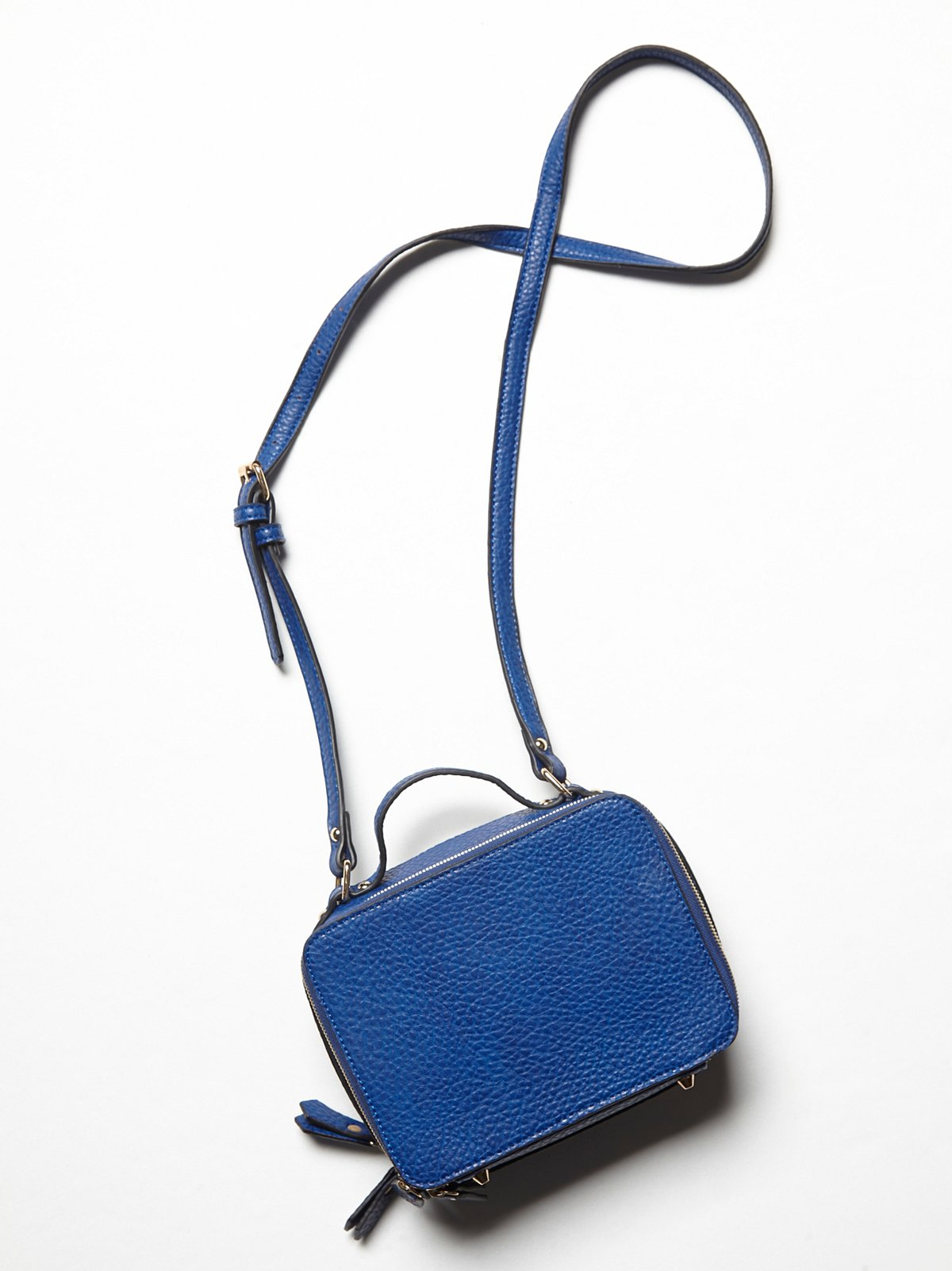 Vegan Cobra Crossbody