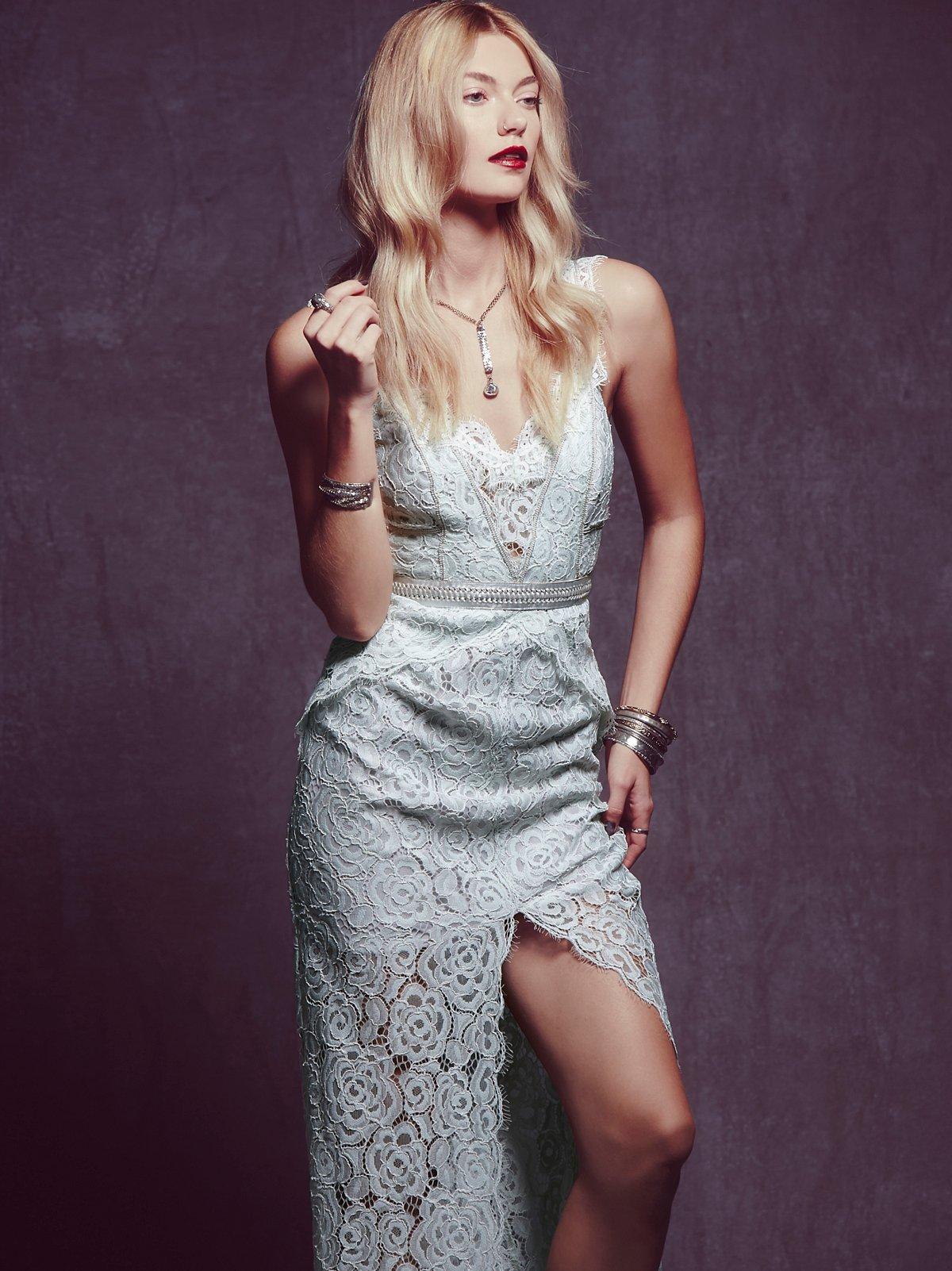 蕾丝直筒连衣裙