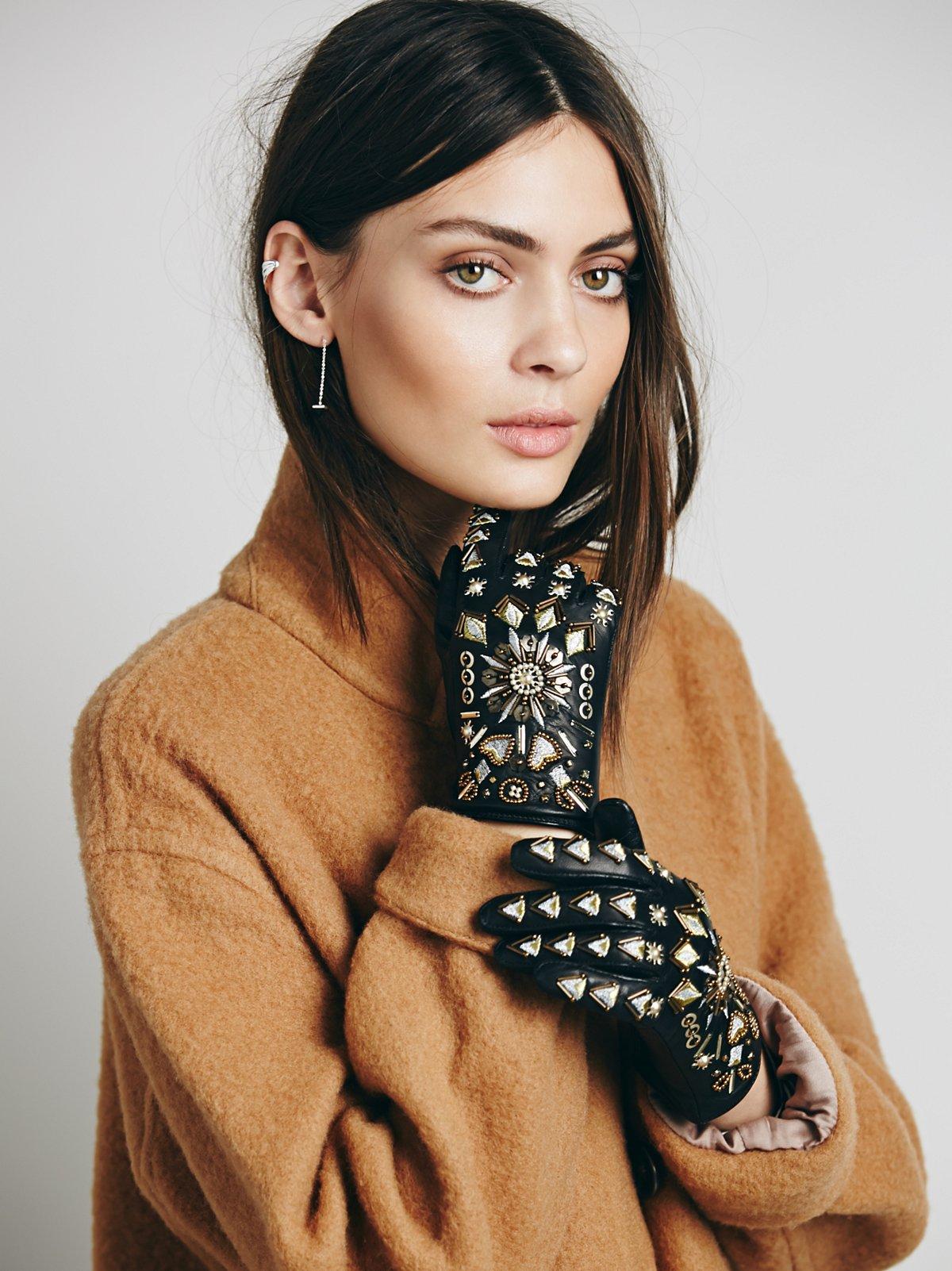 Moderno Embellished Glove