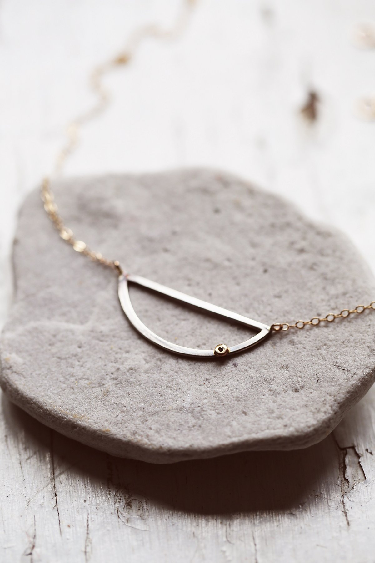 新月钻石项链