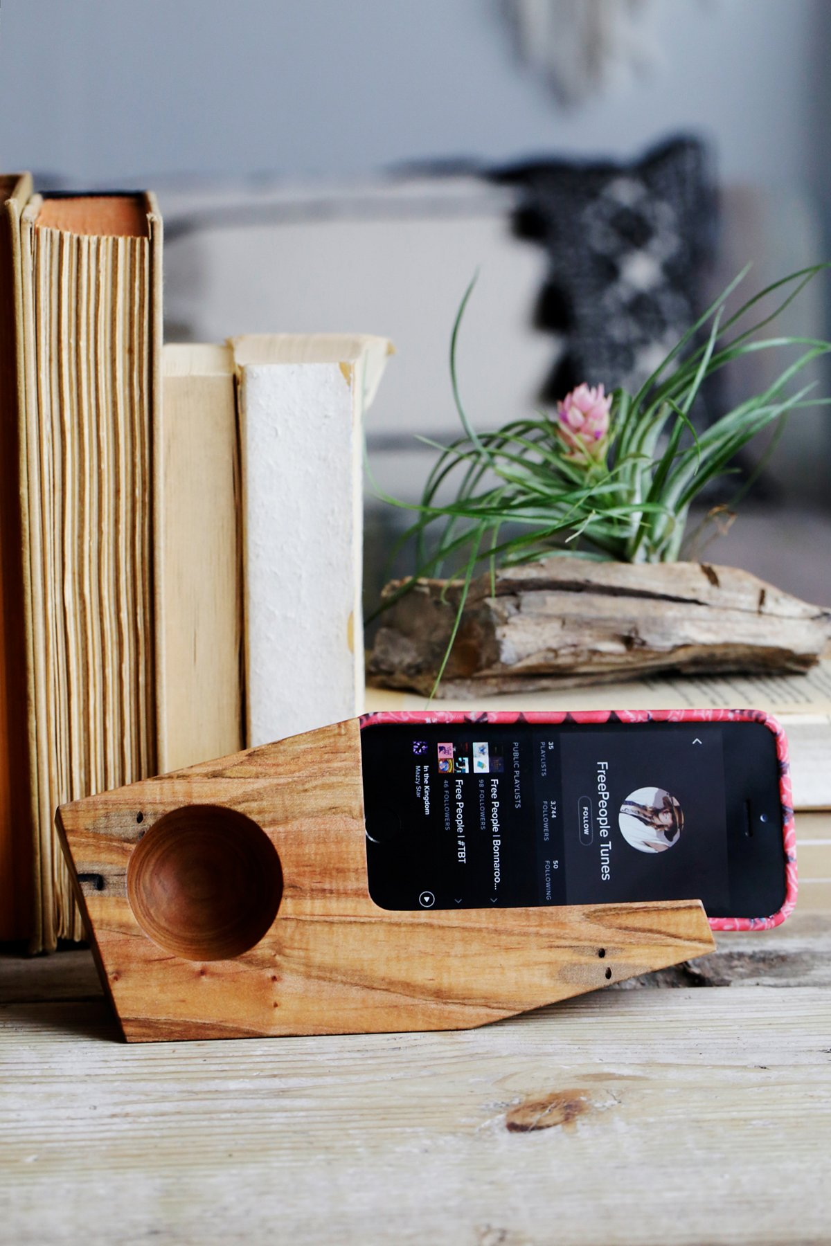 Ambrosia Maple Phone Dock