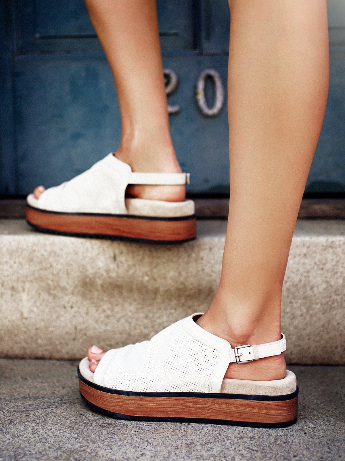 Hayden厚底凉鞋