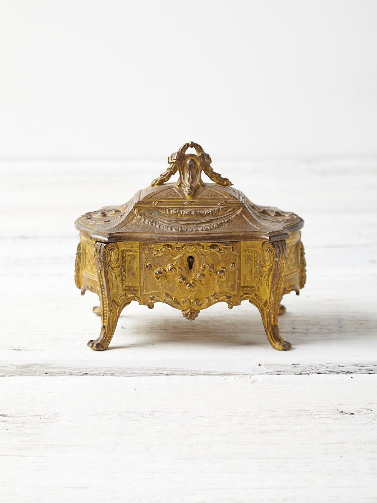 Vintage Victorian Jewlery Box