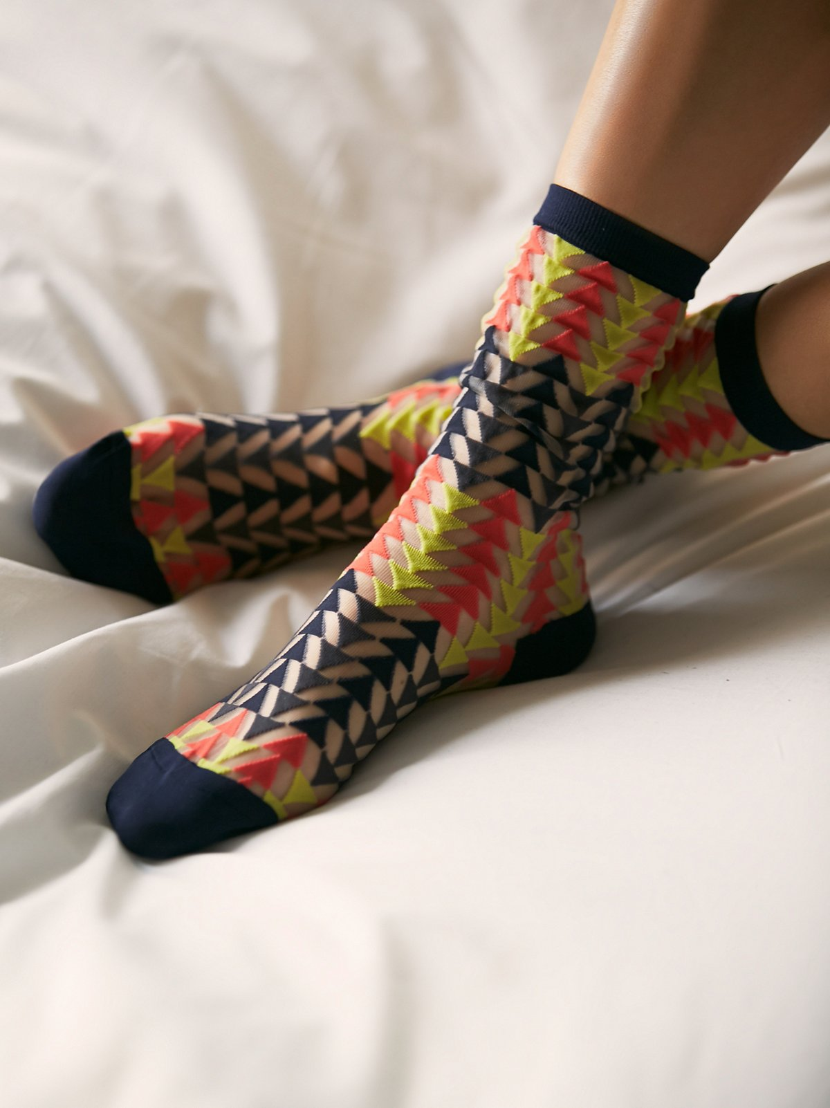 Triangle Sheer Crew Sock