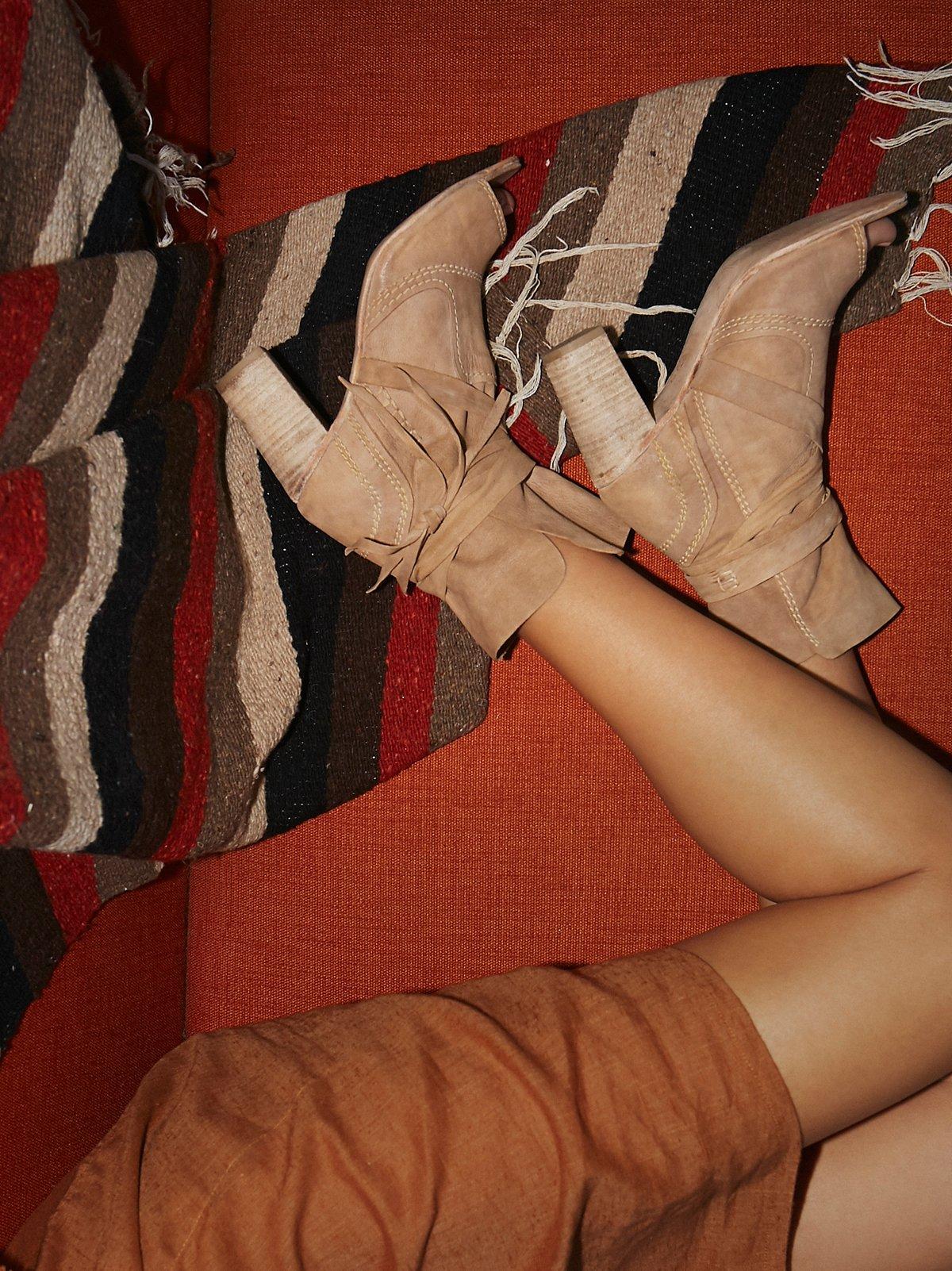 Daydream高跟靴