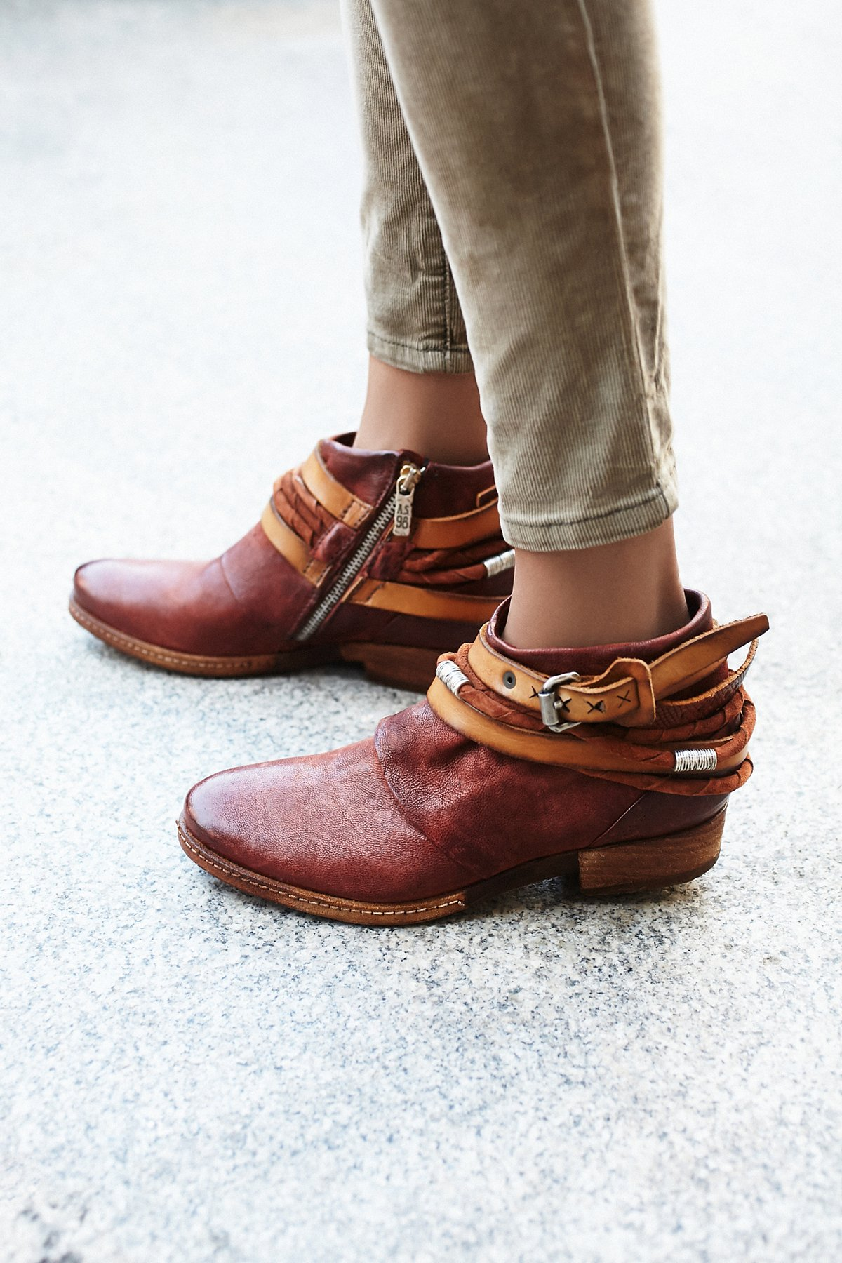 Triumph Distressed Boot