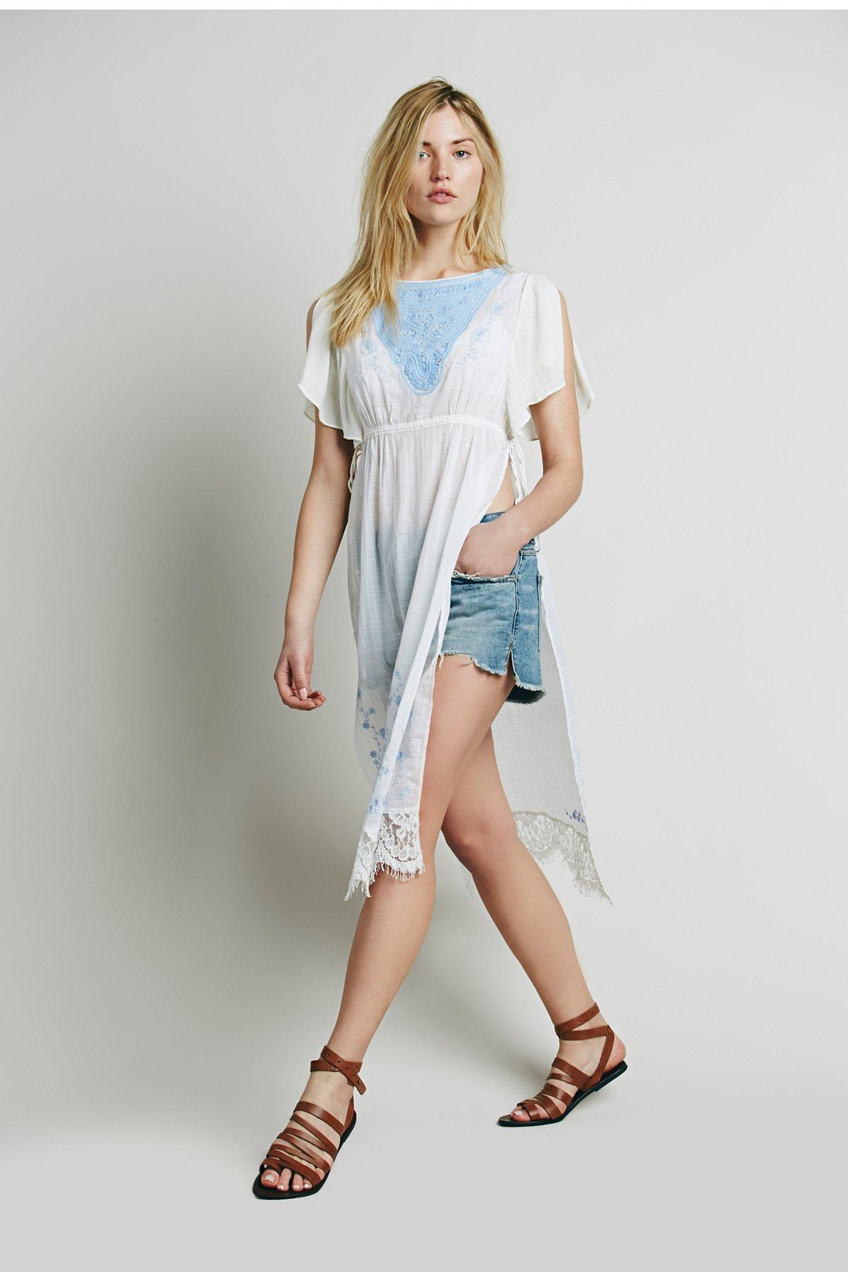 刺绣蕾丝长裙